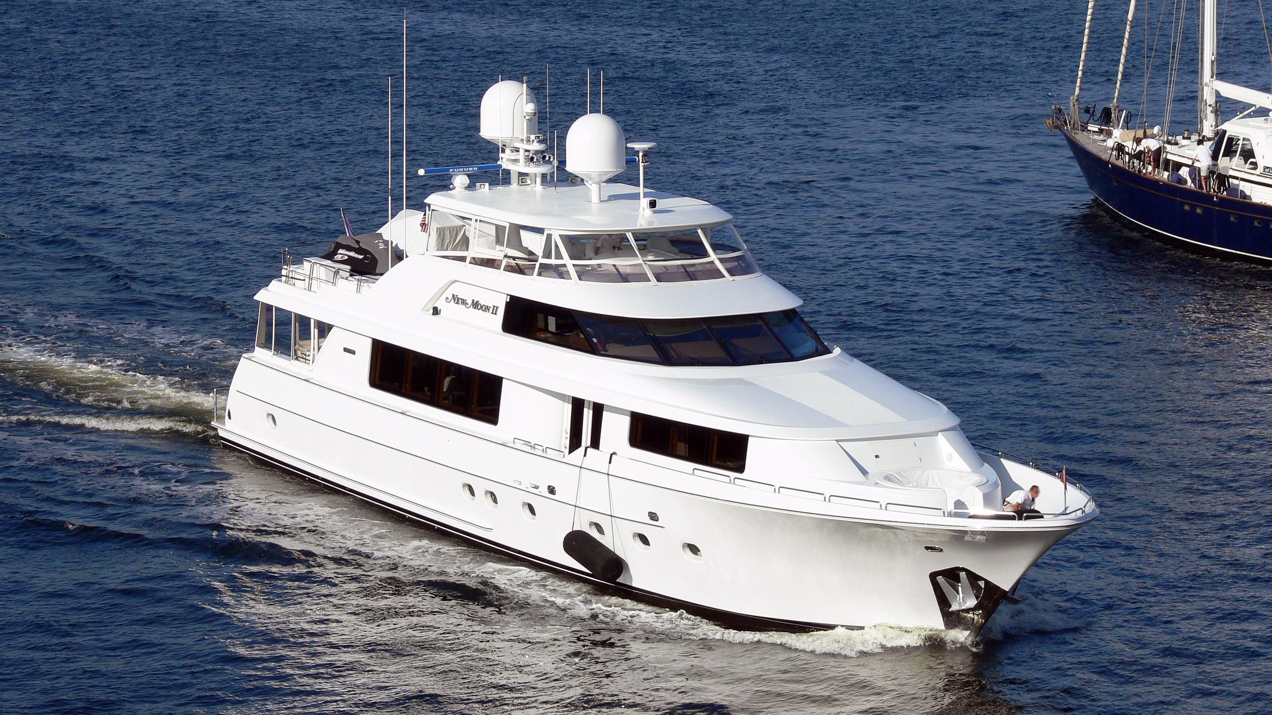 true-joy-motor-yacht-westport-2003-34m-bow-half-profile