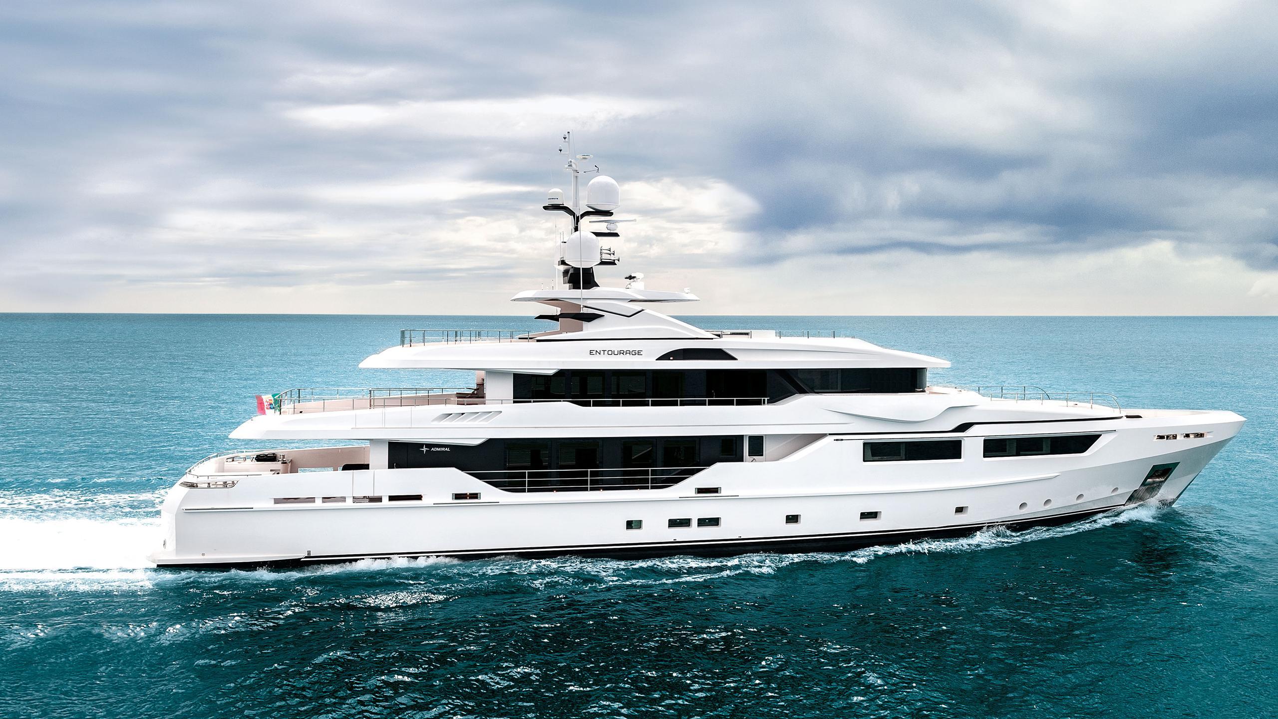 entourage-motor-yacht-admiral-the-italian-sea-group-2014-47m-profile-cruising