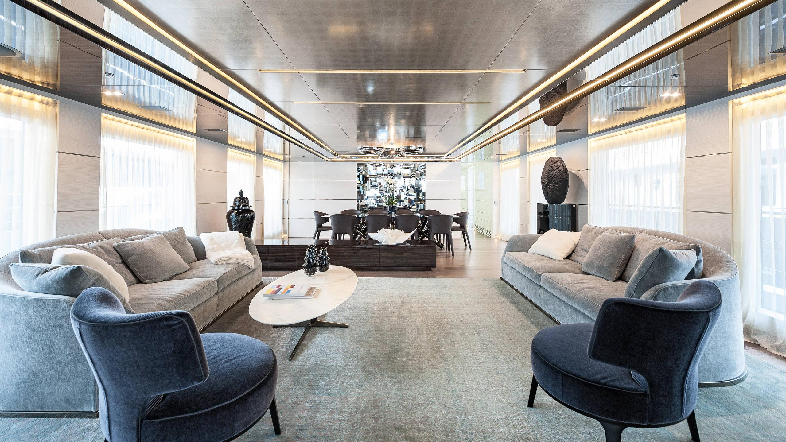 entourage-motor-yacht-admiral-the-italian-sea-group-2014-47m-saloon