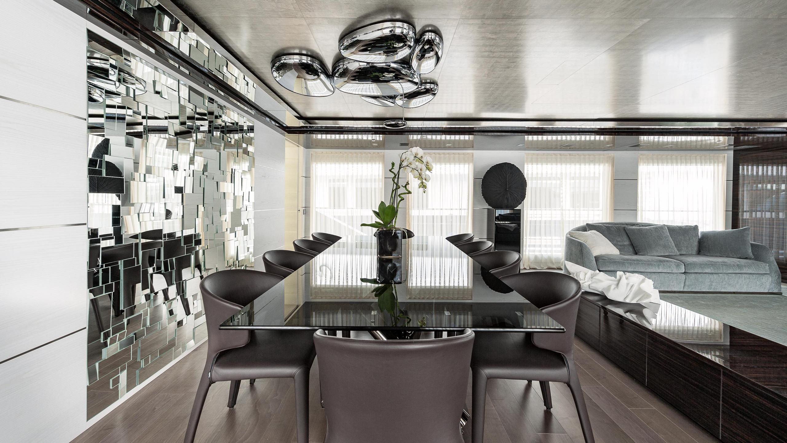 entourage-motor-yacht-admiral-the-italian-sea-group-2014-47m-dining-room