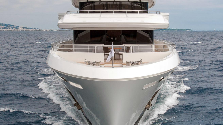 i-nova-explorer-yacht-cosmo-2013-50m-bow-cruising
