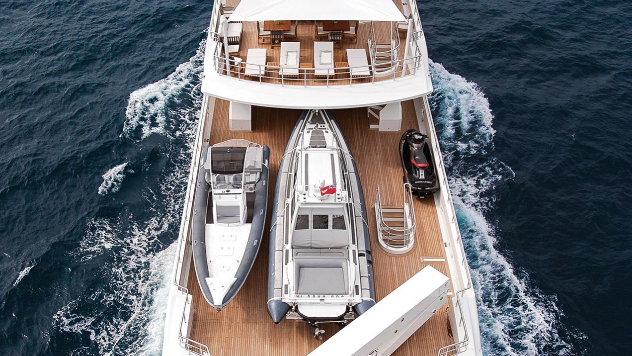 i-nova-explorer-yacht-cosmo-2013-50m-aerial-aft-deck