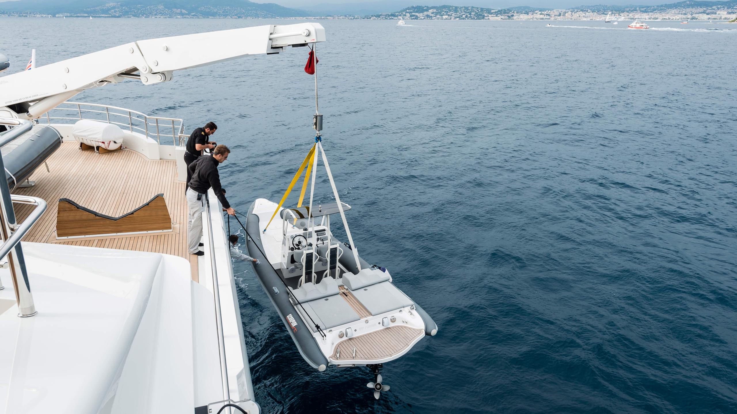 i-nova-explorer-yacht-cosmo-2013-50m-tender