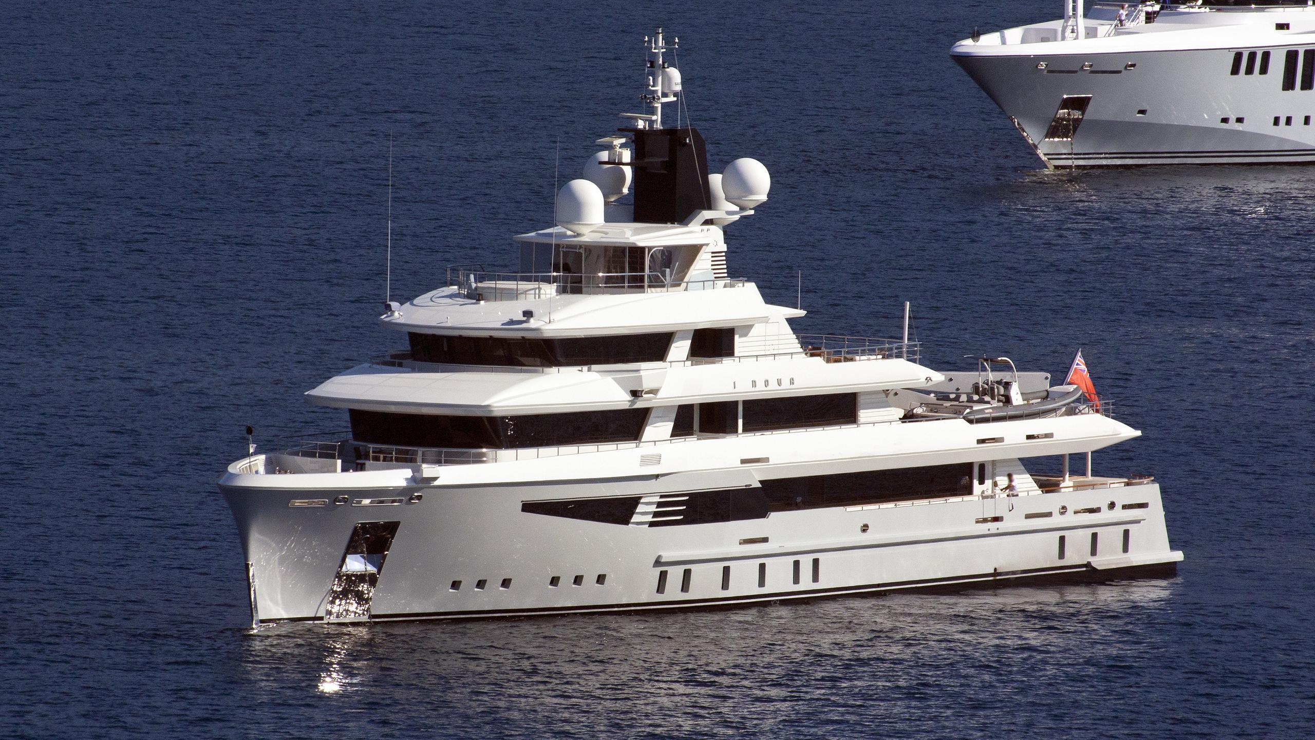 i-nova-explorer-yacht-cosmo-2013-50m-half-profile