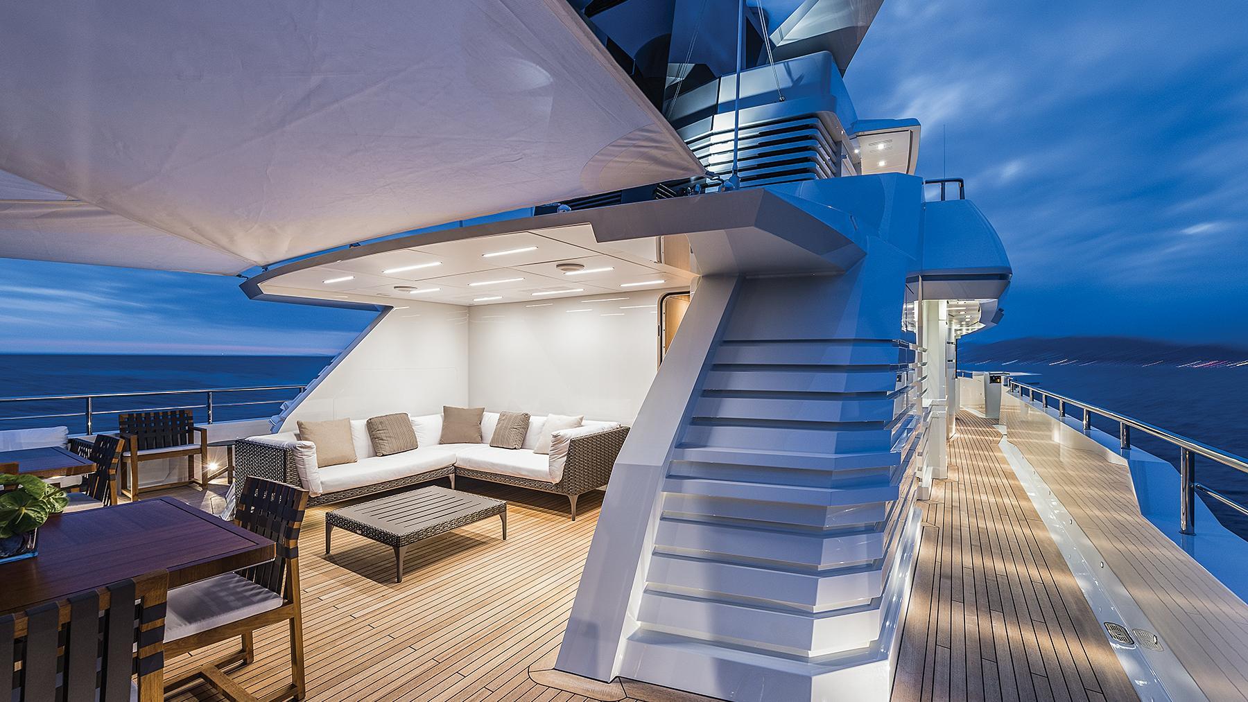 i-nova-explorer-yacht-cosmo-2013-50m-deck