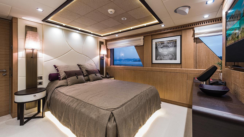 i-nova-explorer-yacht-cosmo-2013-50m-cabin