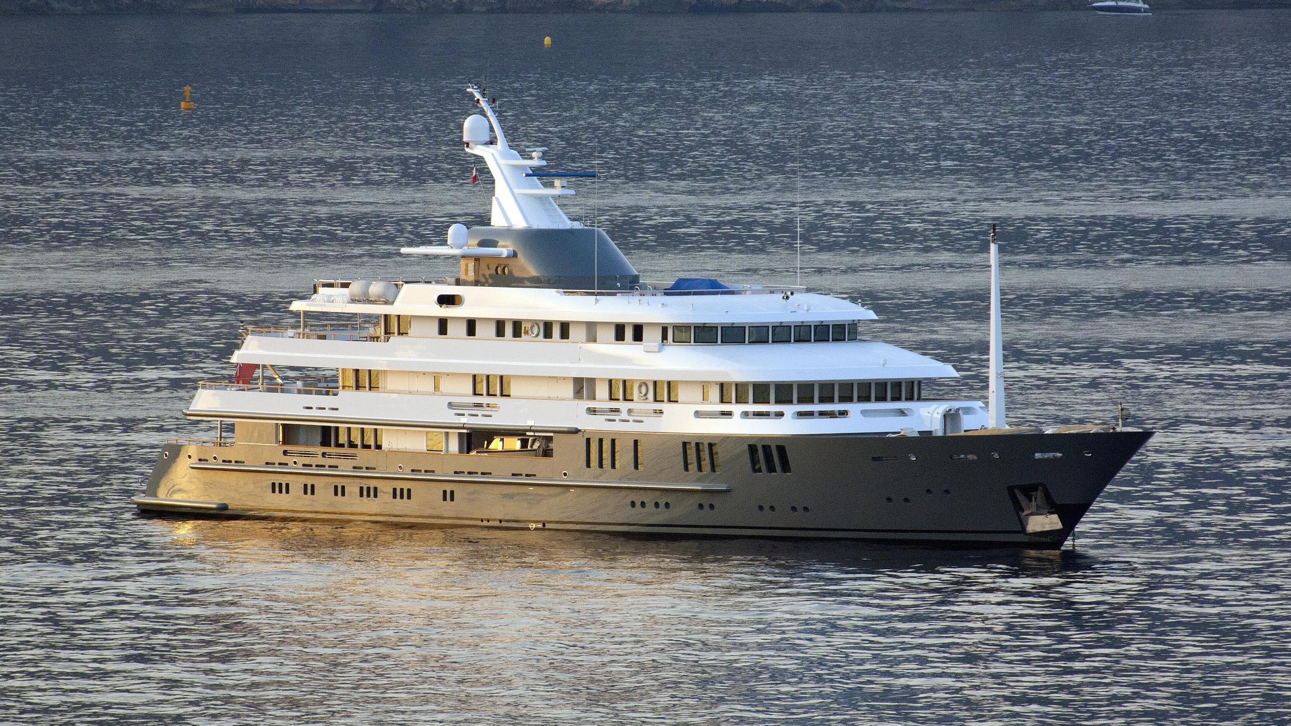 reborn-motor-yacht-amels-1999-75m-half-profile