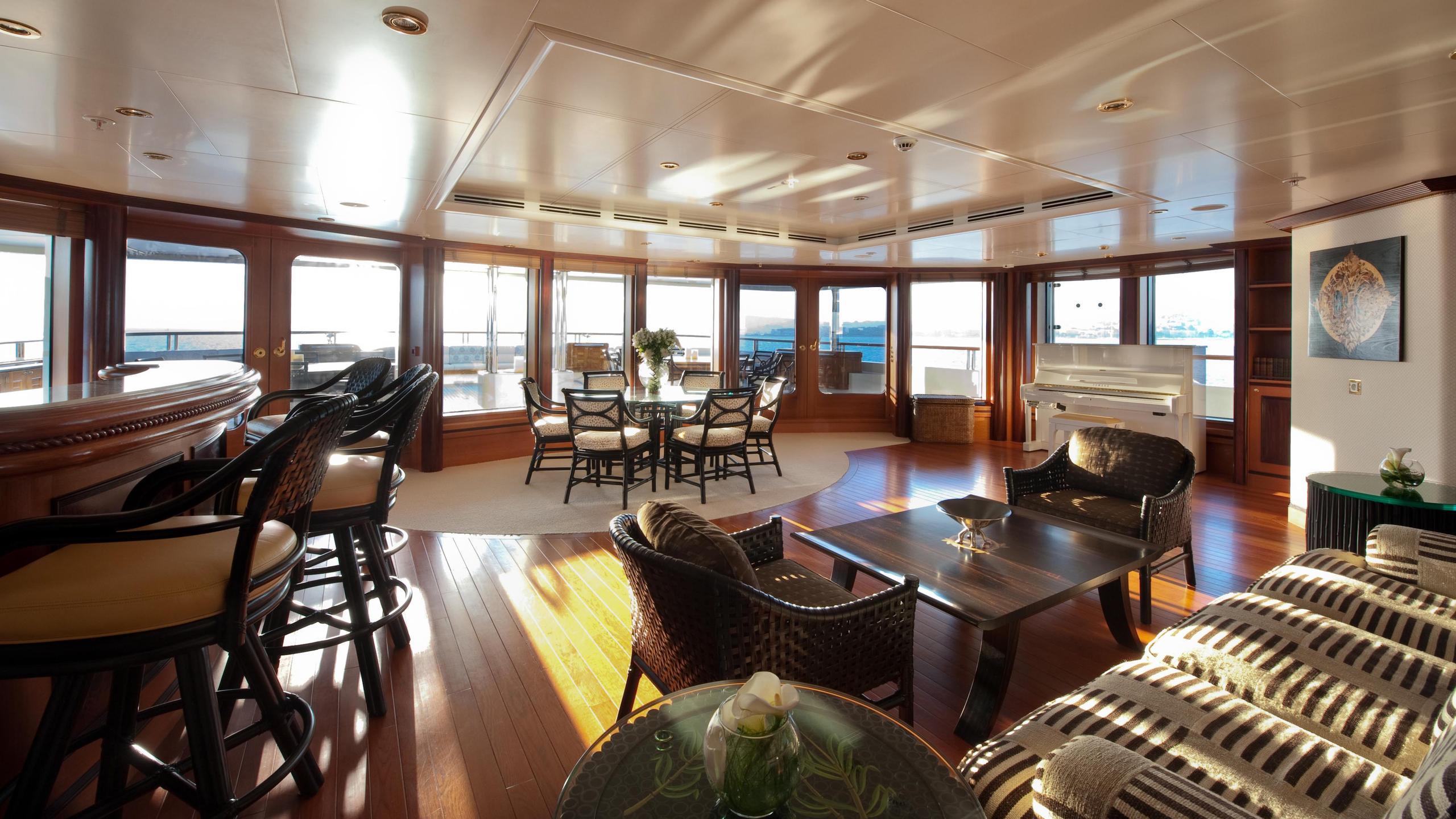 reborn-motor-yacht-amels-1999-75m-bar-saloon