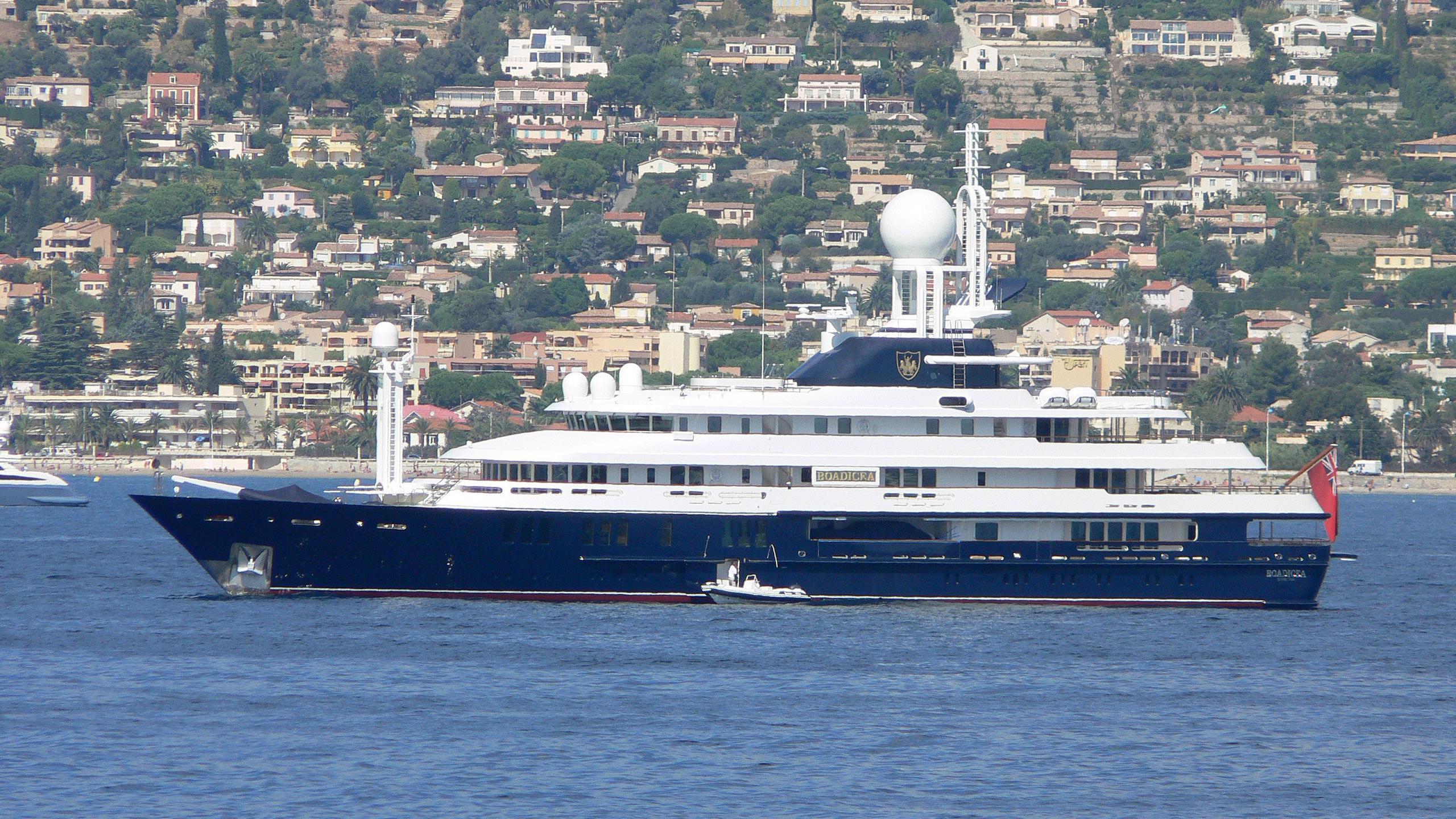 reborn-motor-yacht-amels-1999-75m-profile-before-refit