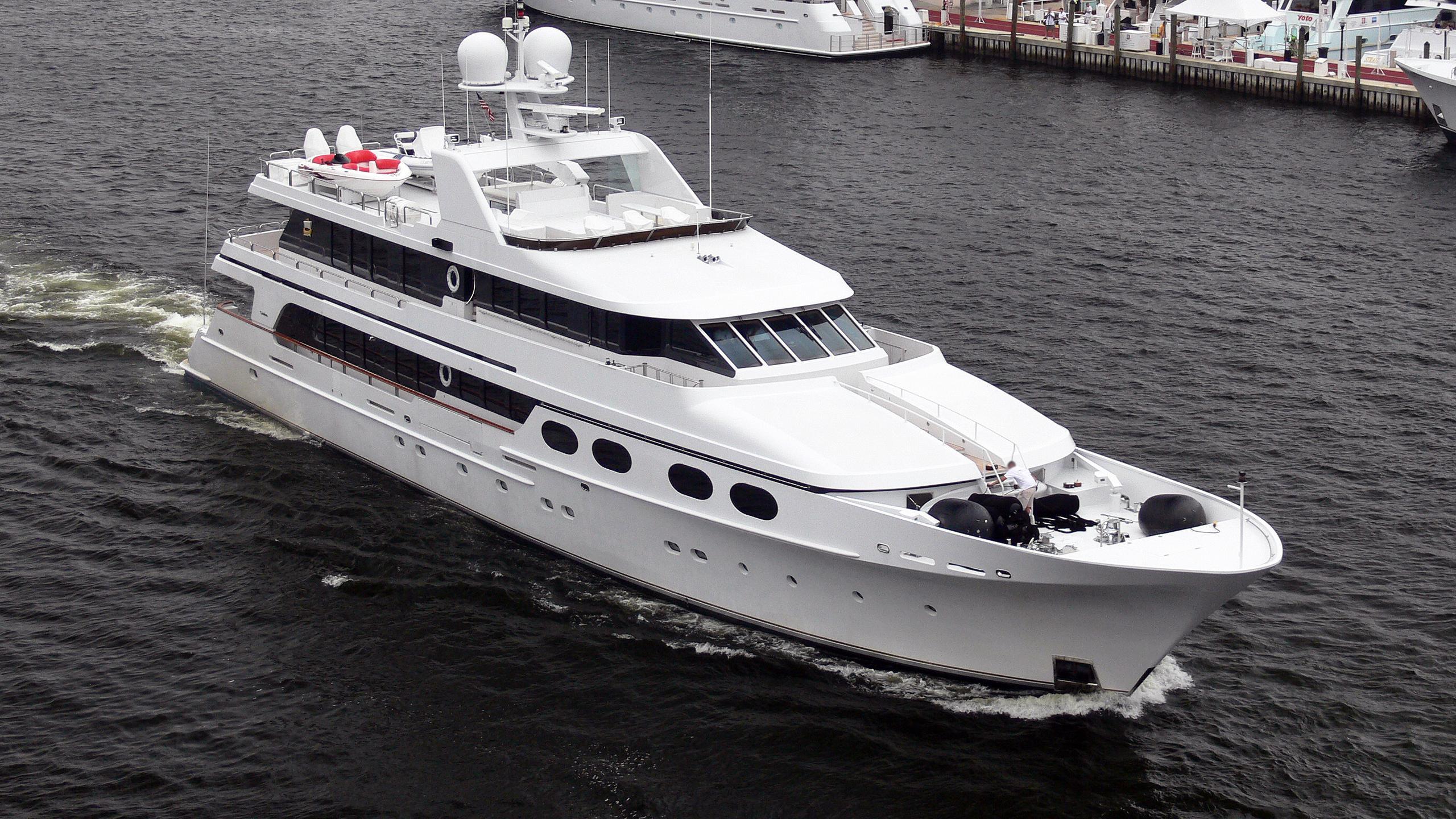 loon-abbracci-motor-yacht-christensen-155-1997-47m-half-profile-before-refit