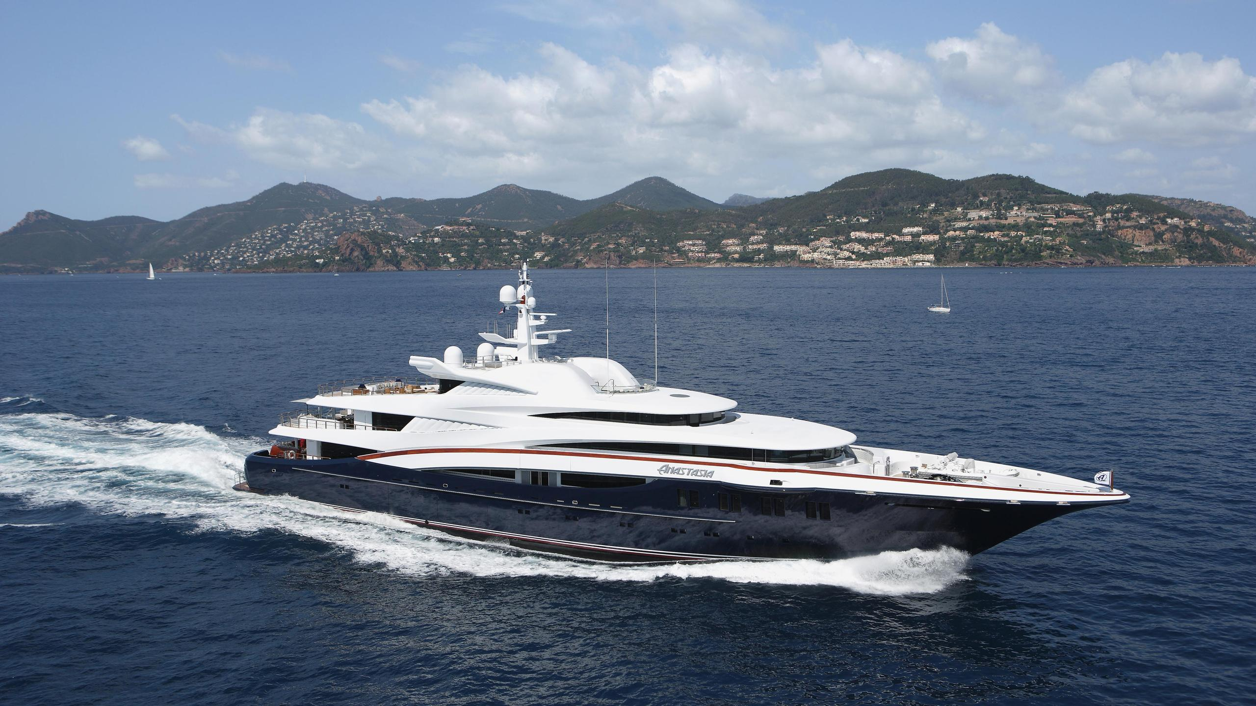 anastasia-motor-yacht-oceanco-2008-75m-cruising