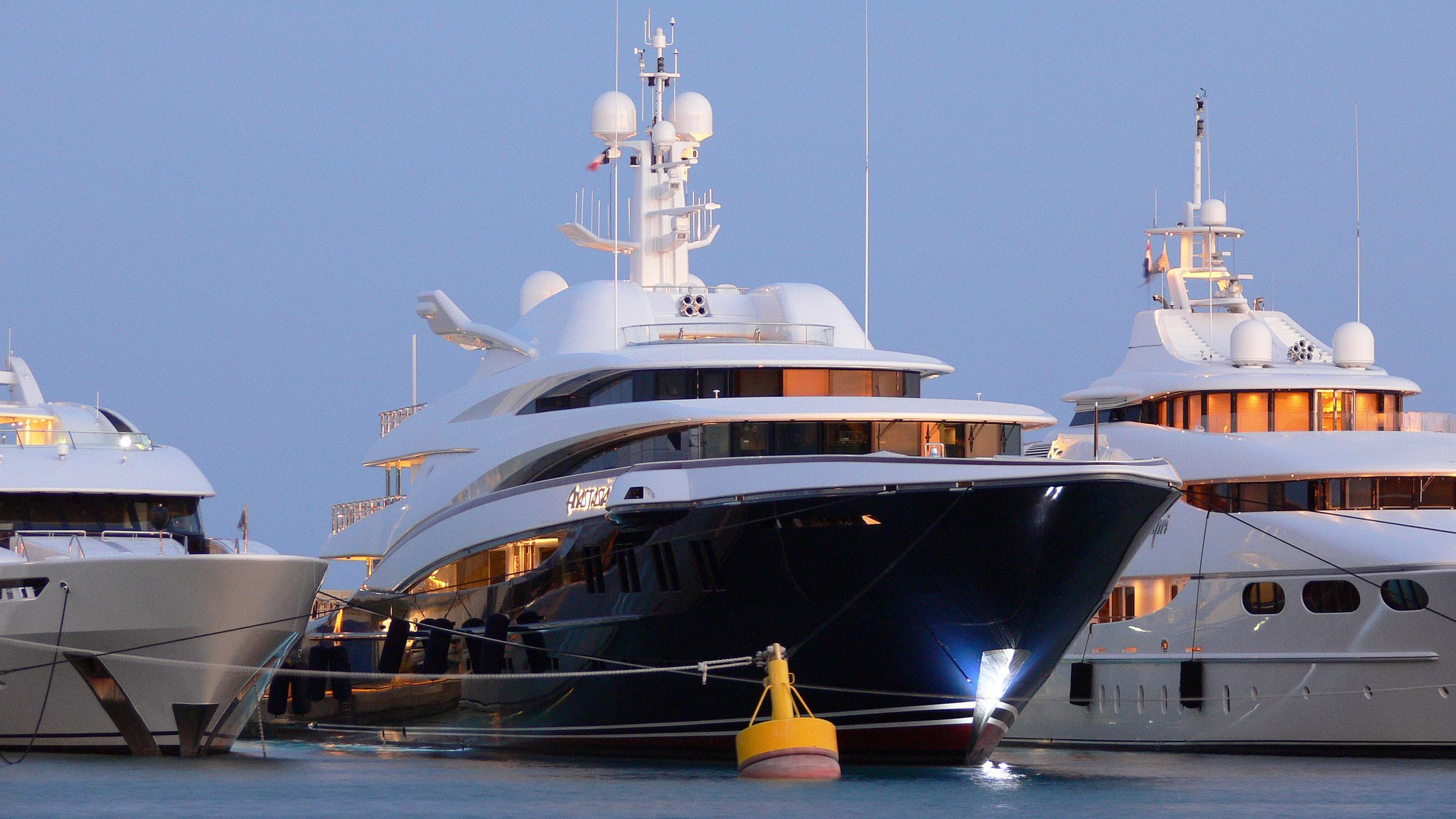 anastasia-motor-yacht-oceanco-2008-75m-bow-by-night
