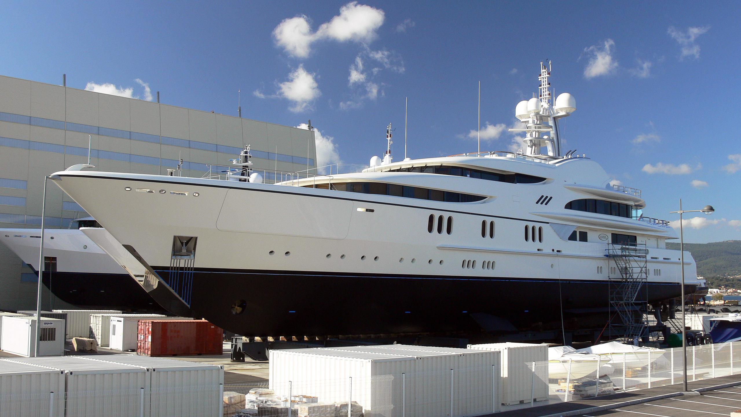 anna-1-anna-motor-yacht-feadship-2007-67m-half-profile-shipyard
