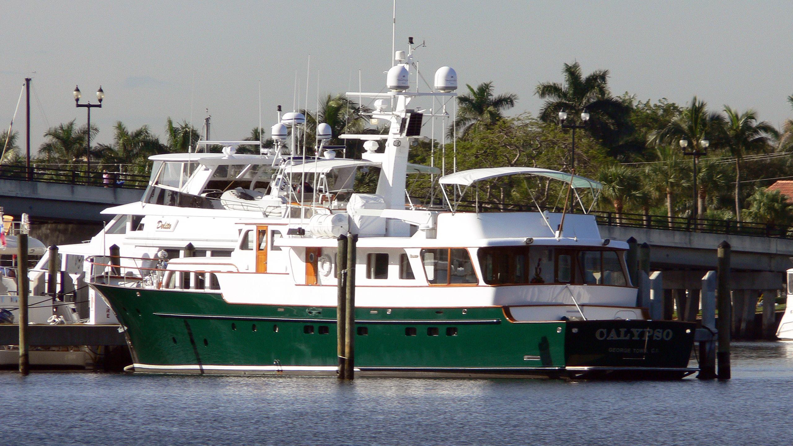 calypso-motor-yacht-feadship-1971-31m-half-profile