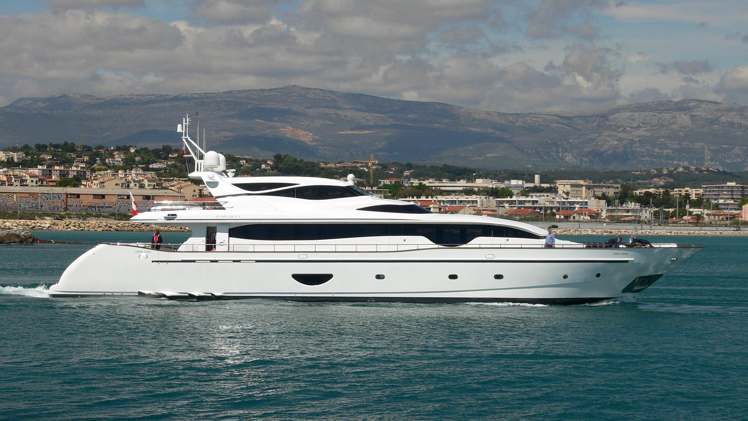 choo-choo-motor-yacht-new-versilcraft-2006-36m-profile