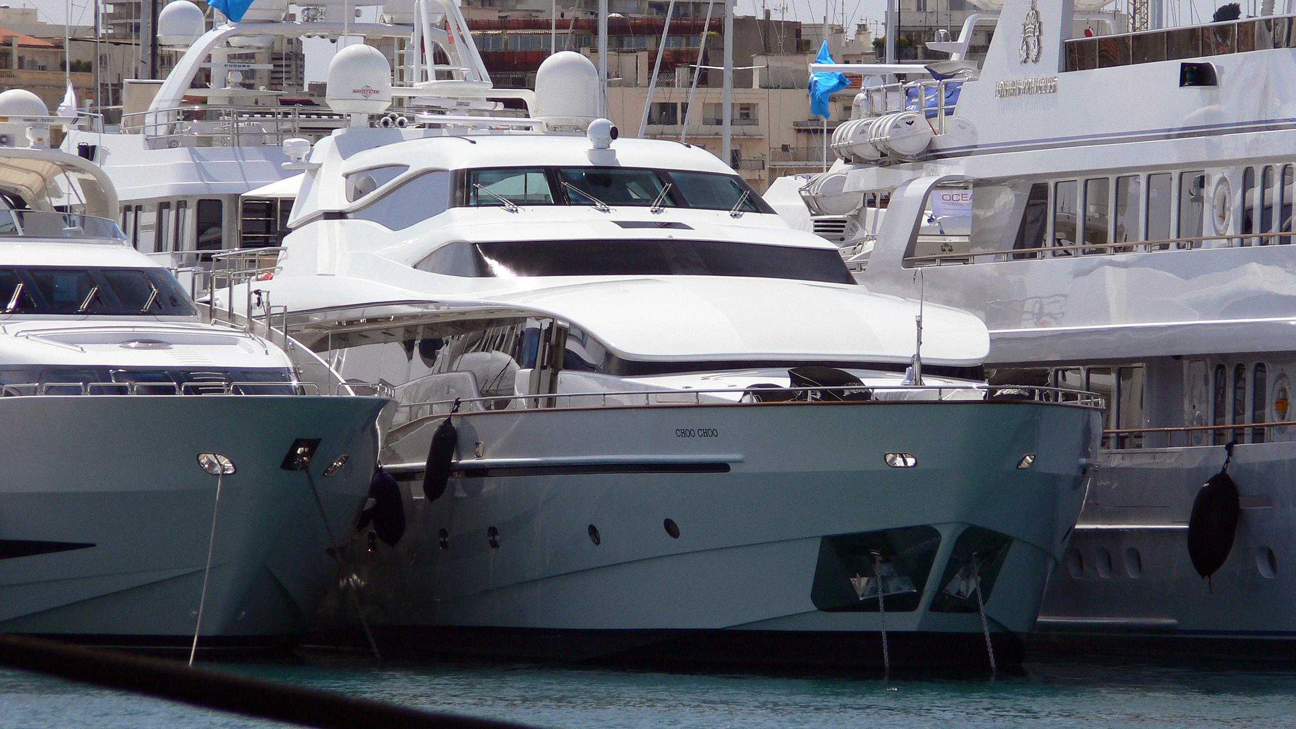 choo-choo-motor-yacht-new-versilcraft-2006-36m-bow