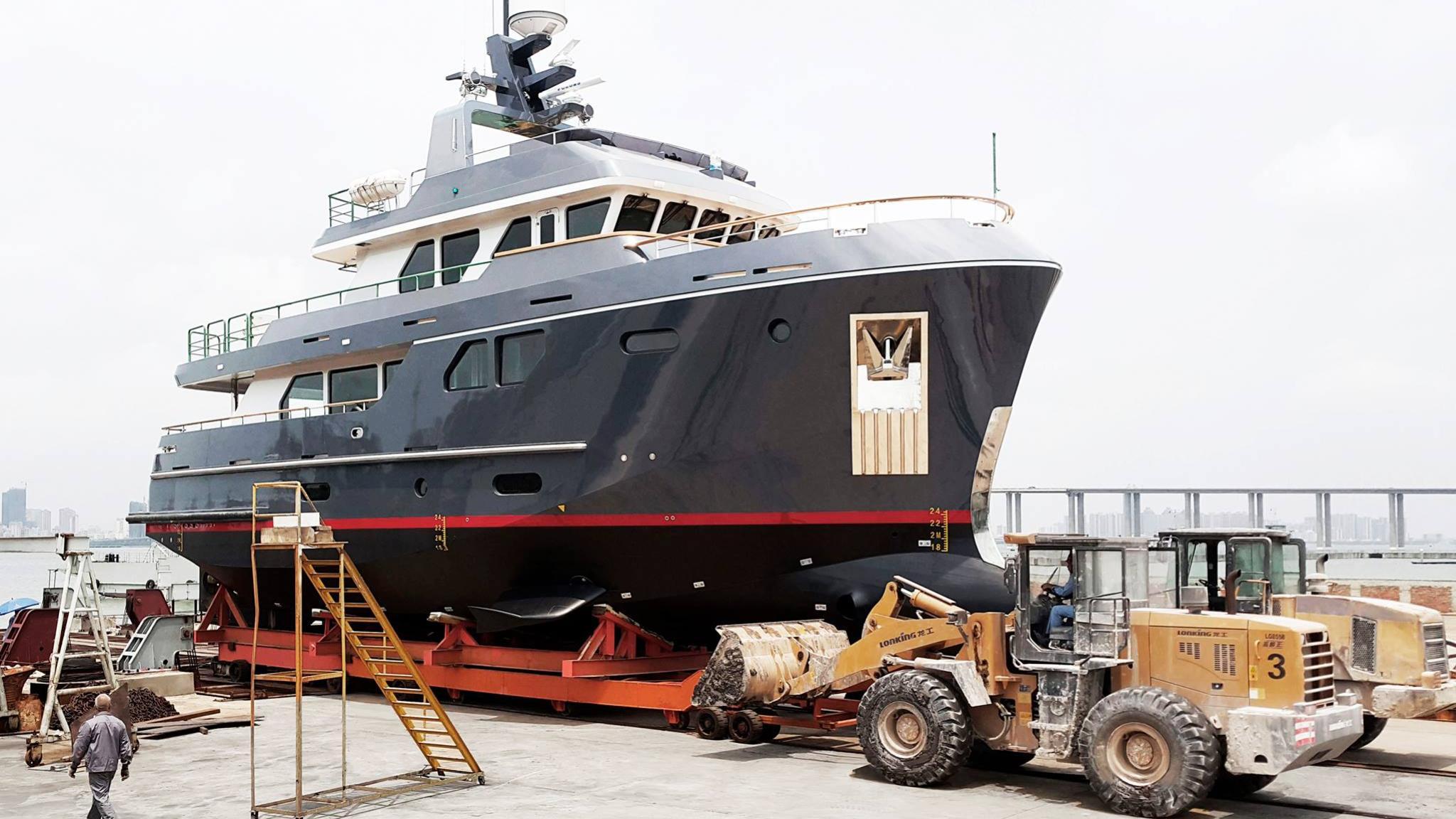 beyond-capricorn-veda-motor-yacht-bering-80-2016-25m-bow-shipyard-before-refit