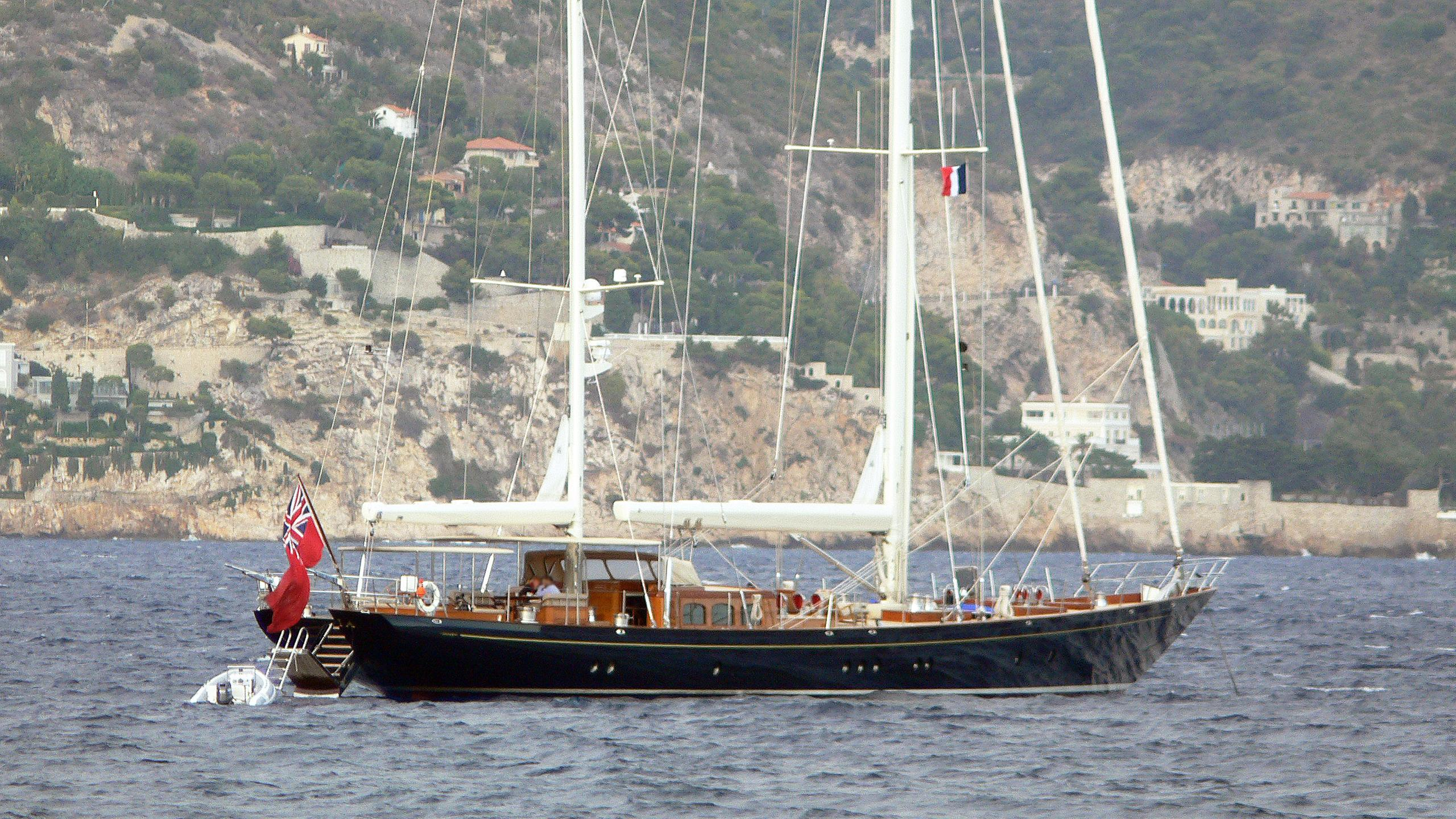 huckleberry-sailing-yacht-alloy-2001-40m-stern
