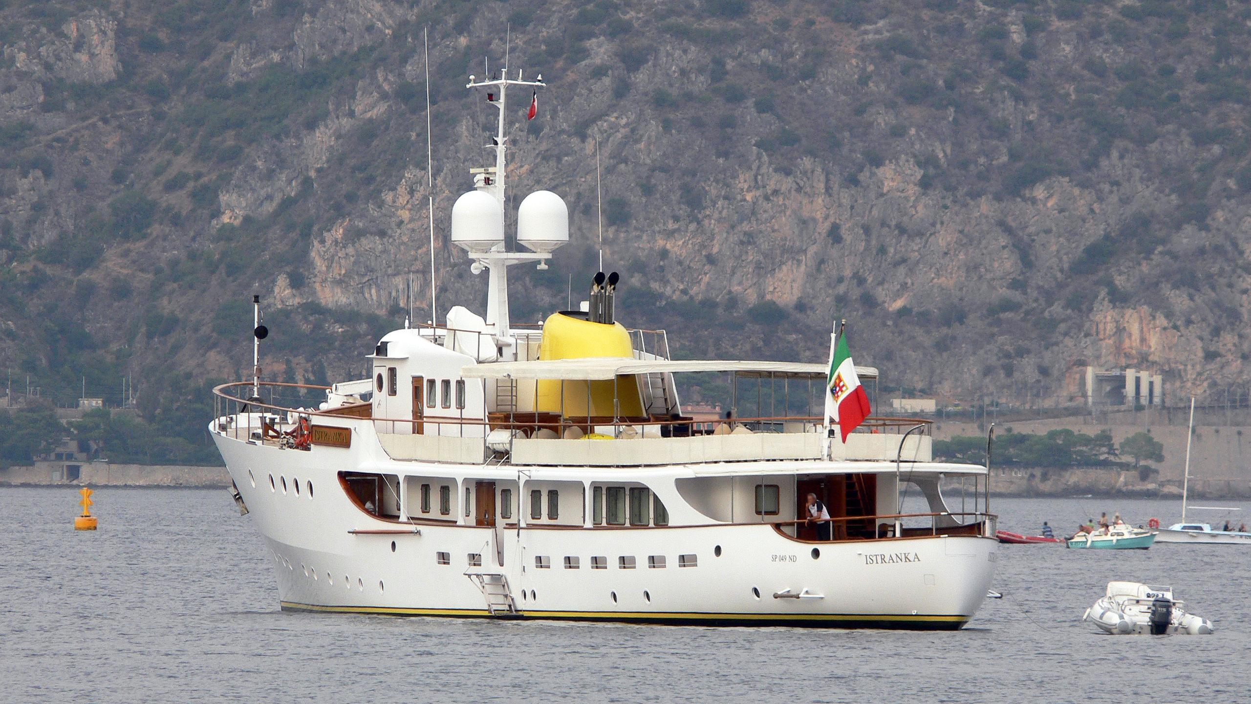 istranka-motor-yacht-iii-maj-1959-46m-stern
