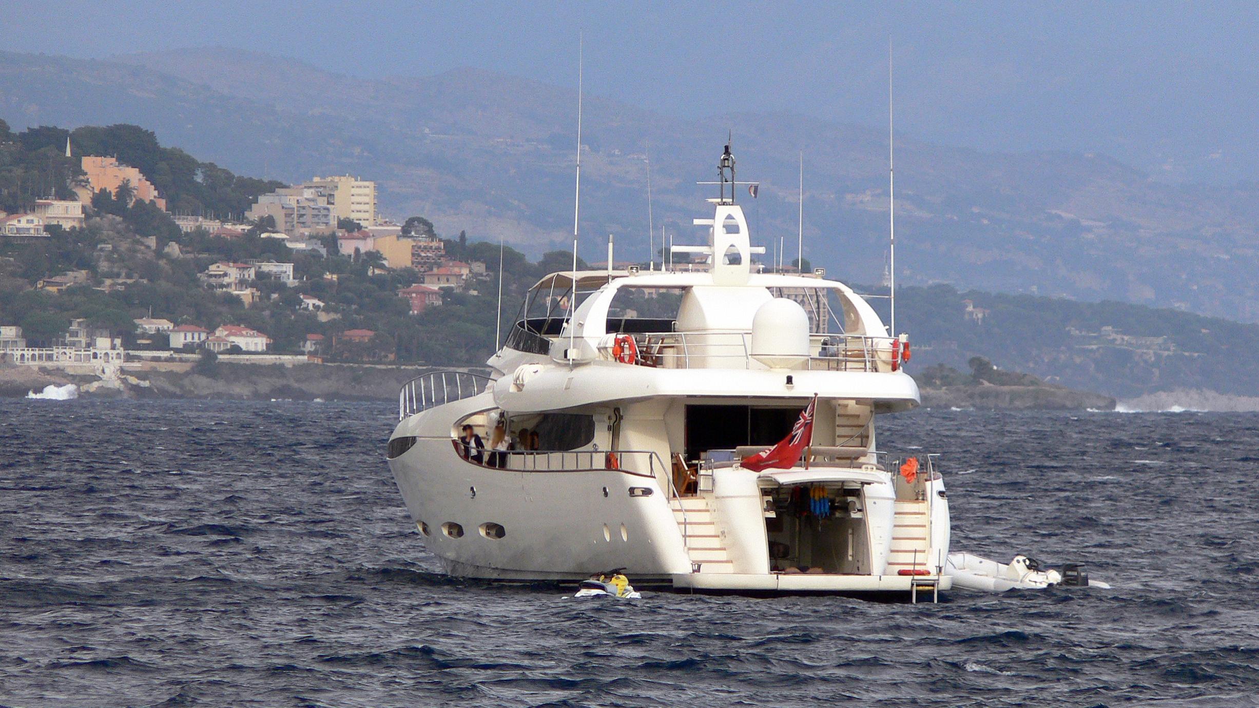 mabruk-iii-motor-yacht-leight-notika-centaurian-115-2004-36m-stern