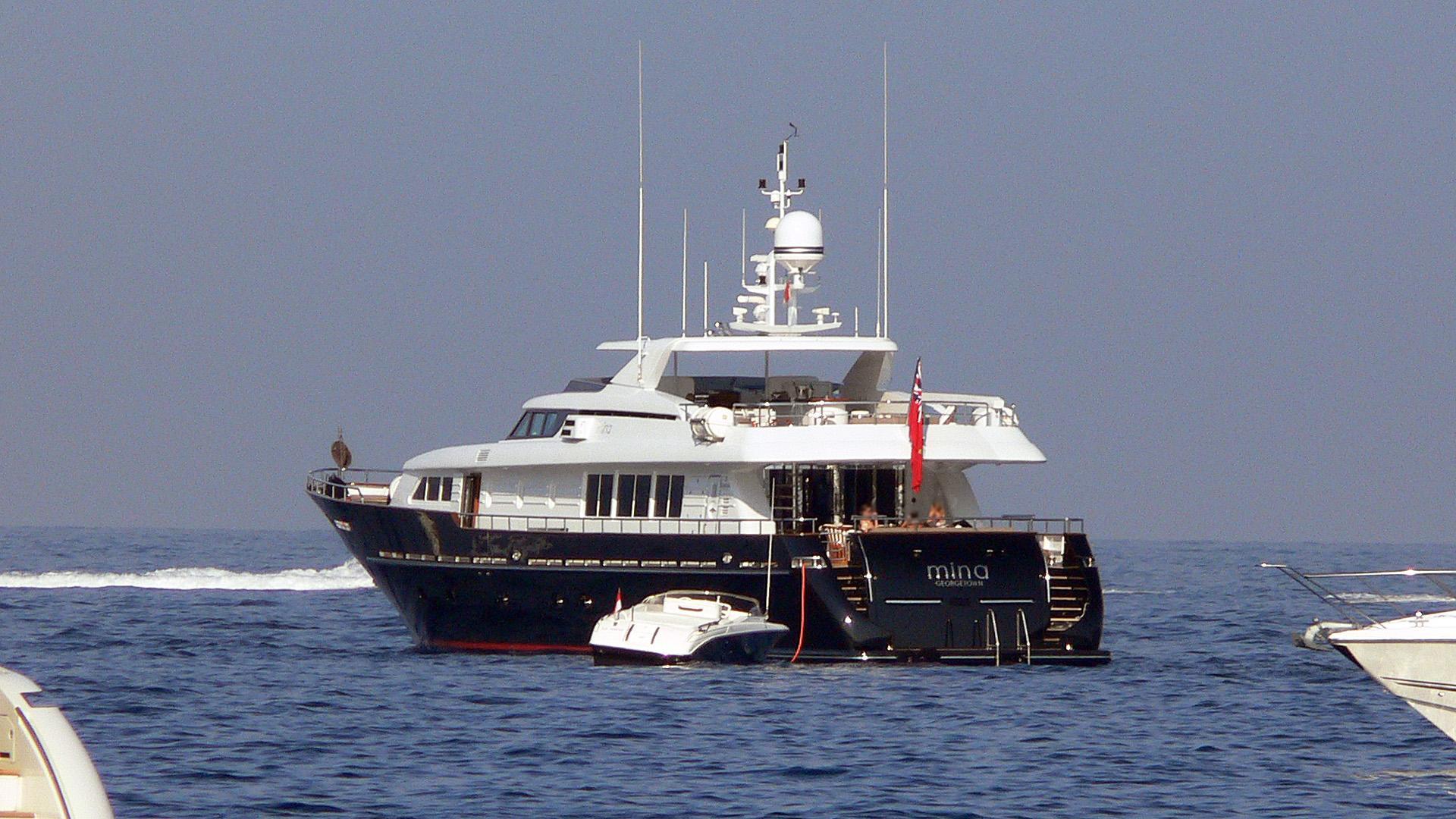 kingfish-mina-motor-yacht-codecasa-2003-35m-stern