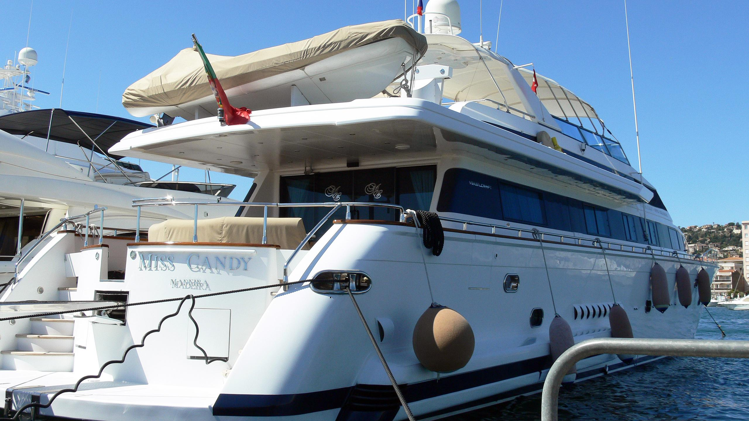 miss-candy-motor-yacht-versilcraft-1996-30m-moored-stern