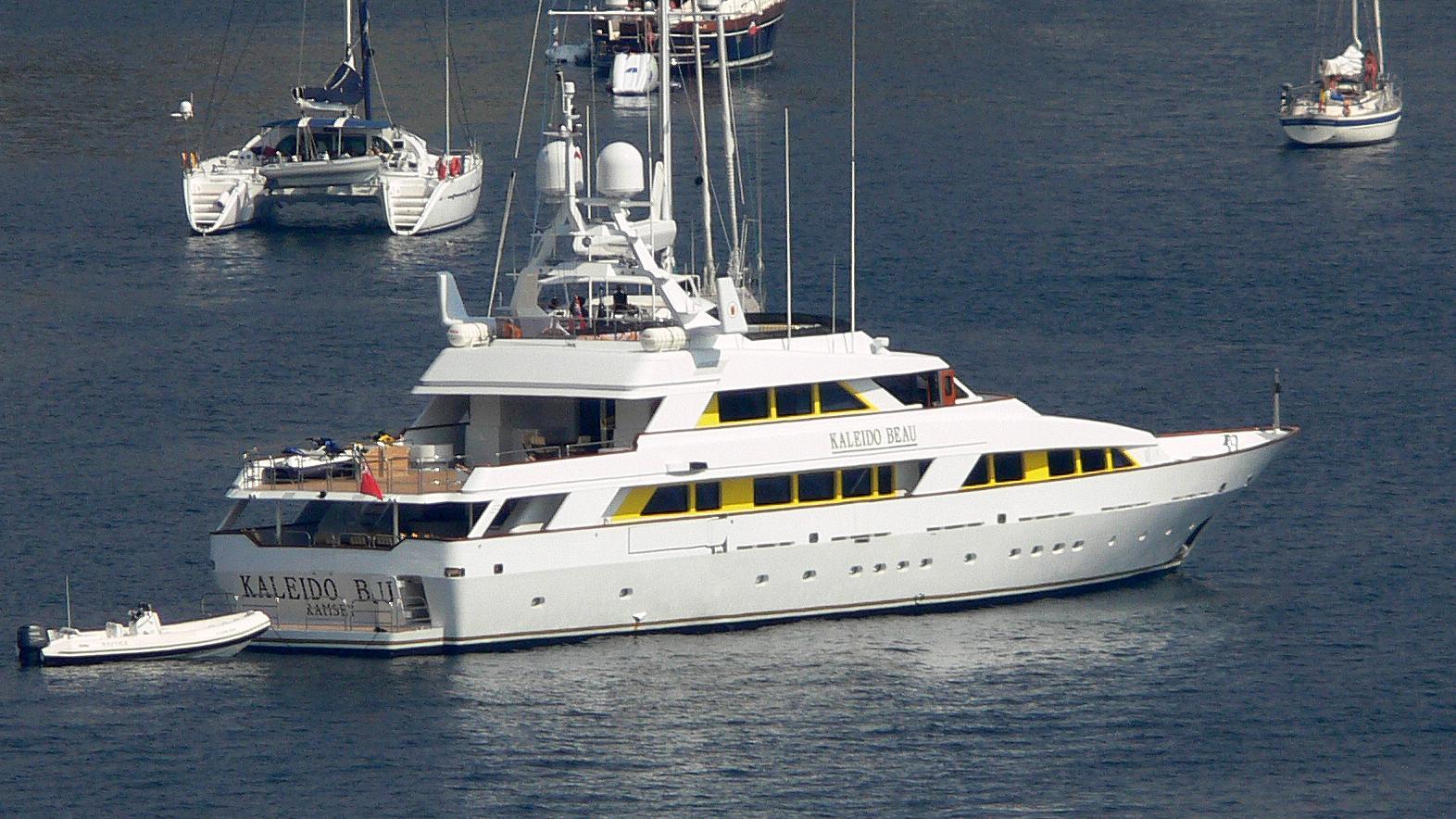 mistress-motor-yacht-benetti-45m-1990-46m-moored-half-profile