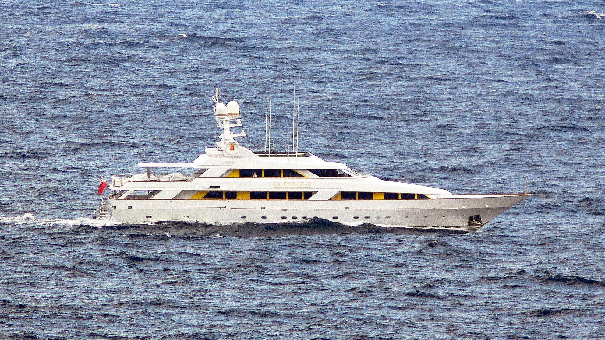 mistress-motor-yacht-benetti-45m-1990-46m-running-profile