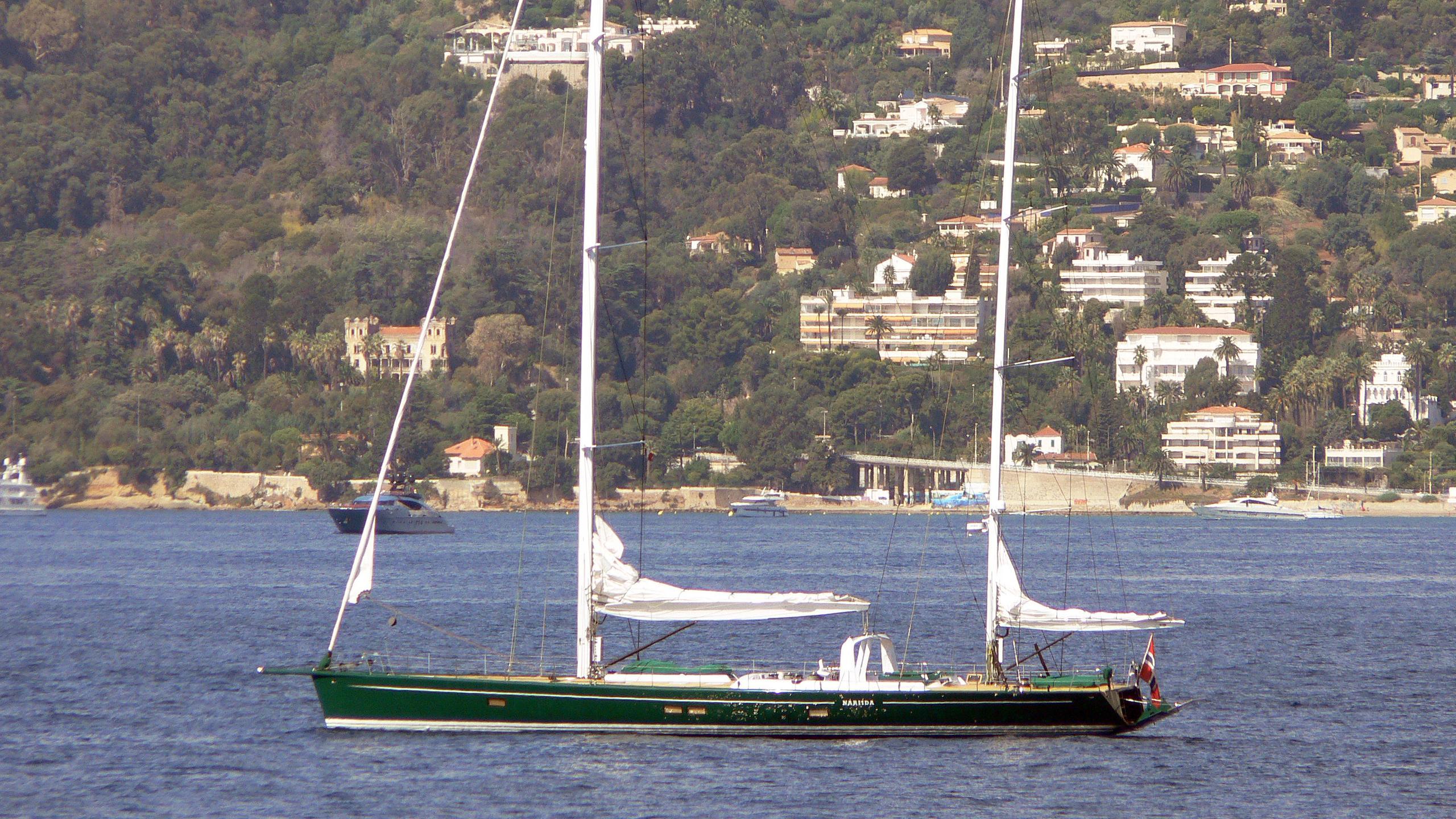 nariida-sailing-yacht-concordia-1994-32m-moored-profile