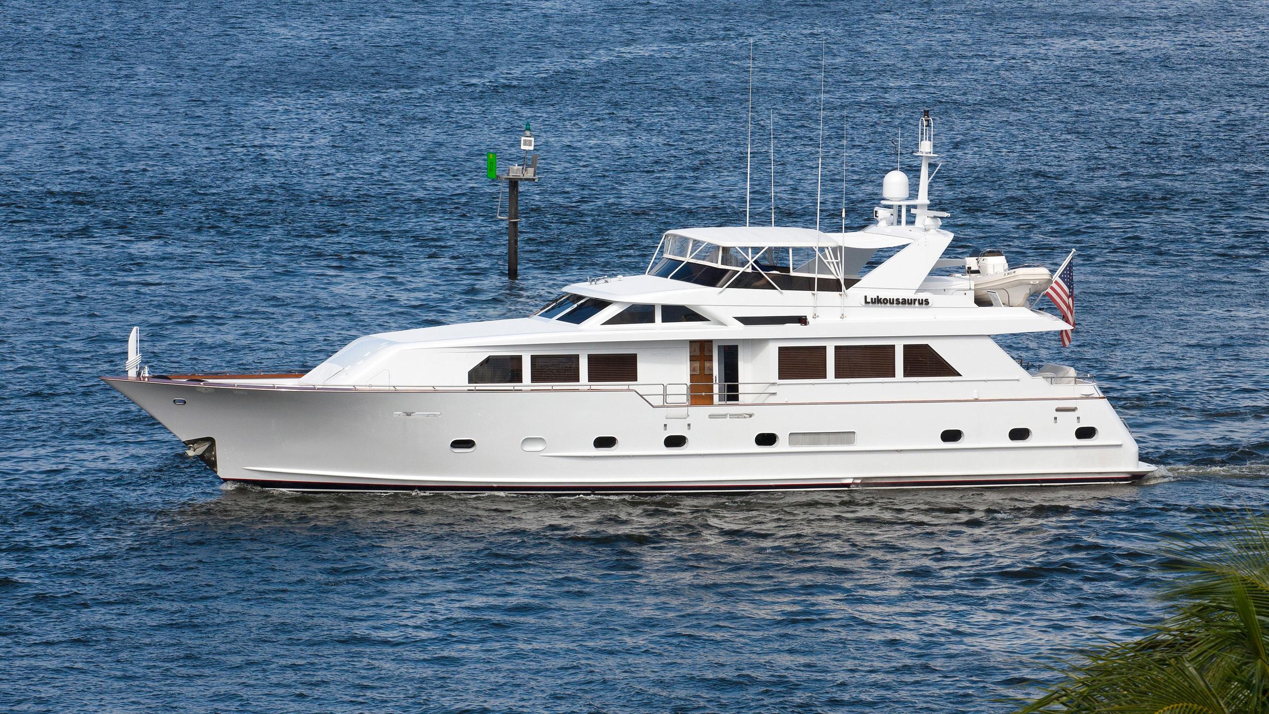 unleashed-dahvin-motor-yacht-broward-1995-27m-profile