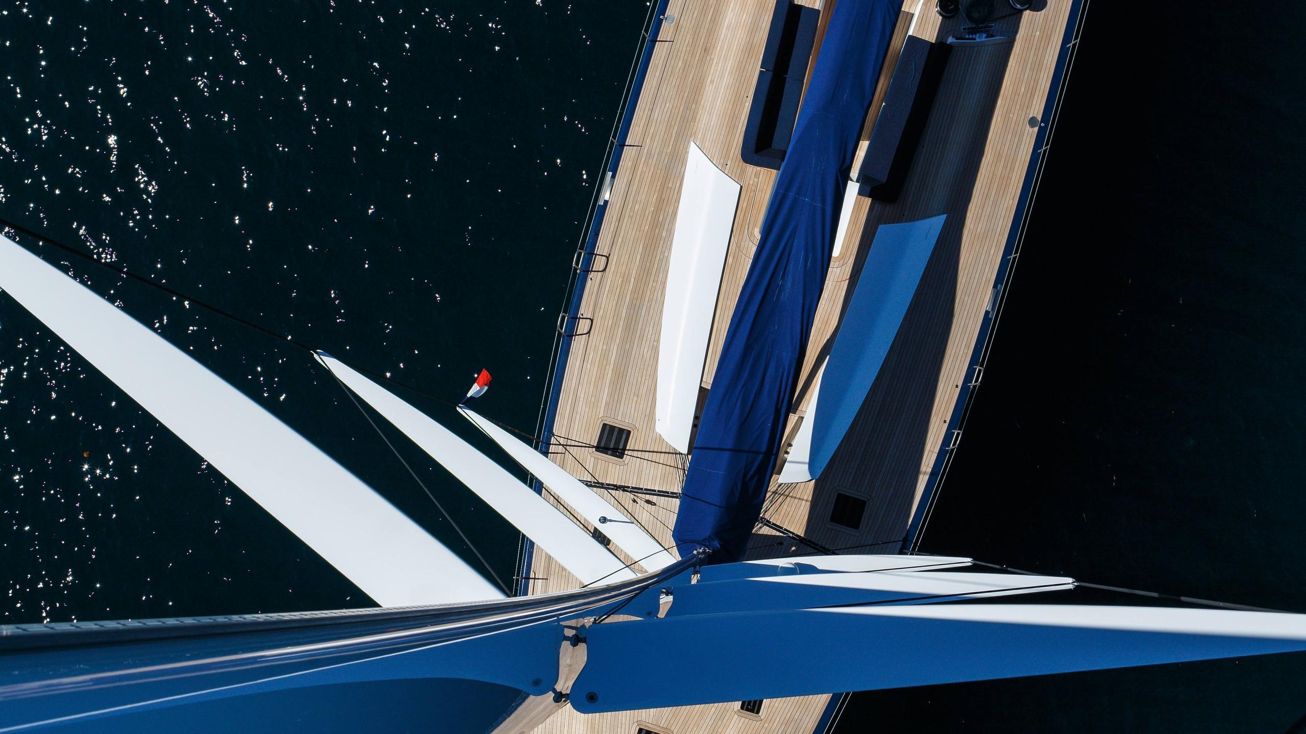 Magic-Carpet-iii-sailing-yacht-wally-21013-30m-aerial