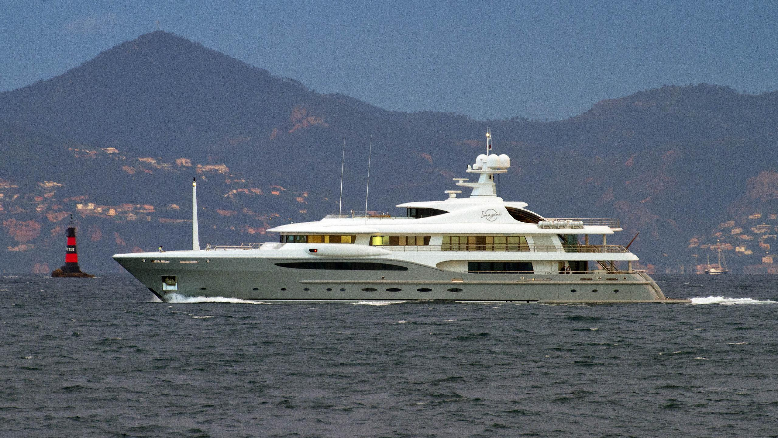 imagine-motor-yacht-amels-le-212-2011-66m-running-profile