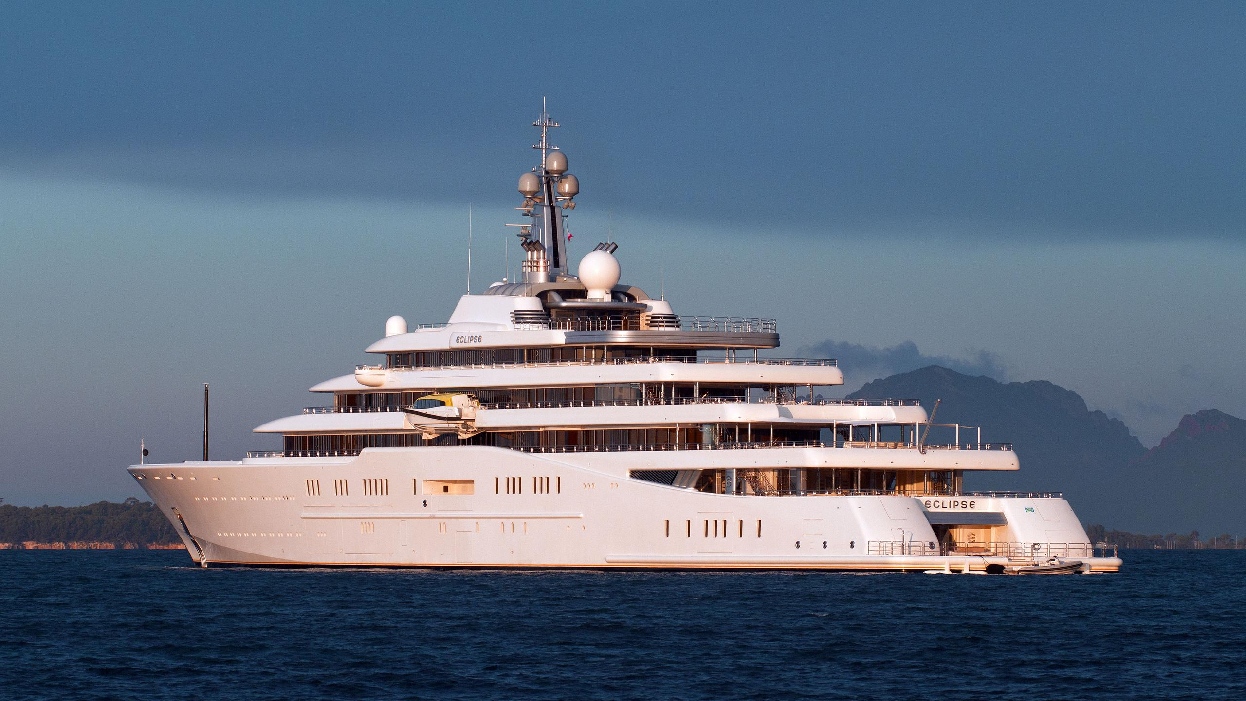 eclipse-motor-yacht-blohm-voss-2010-162m-stern