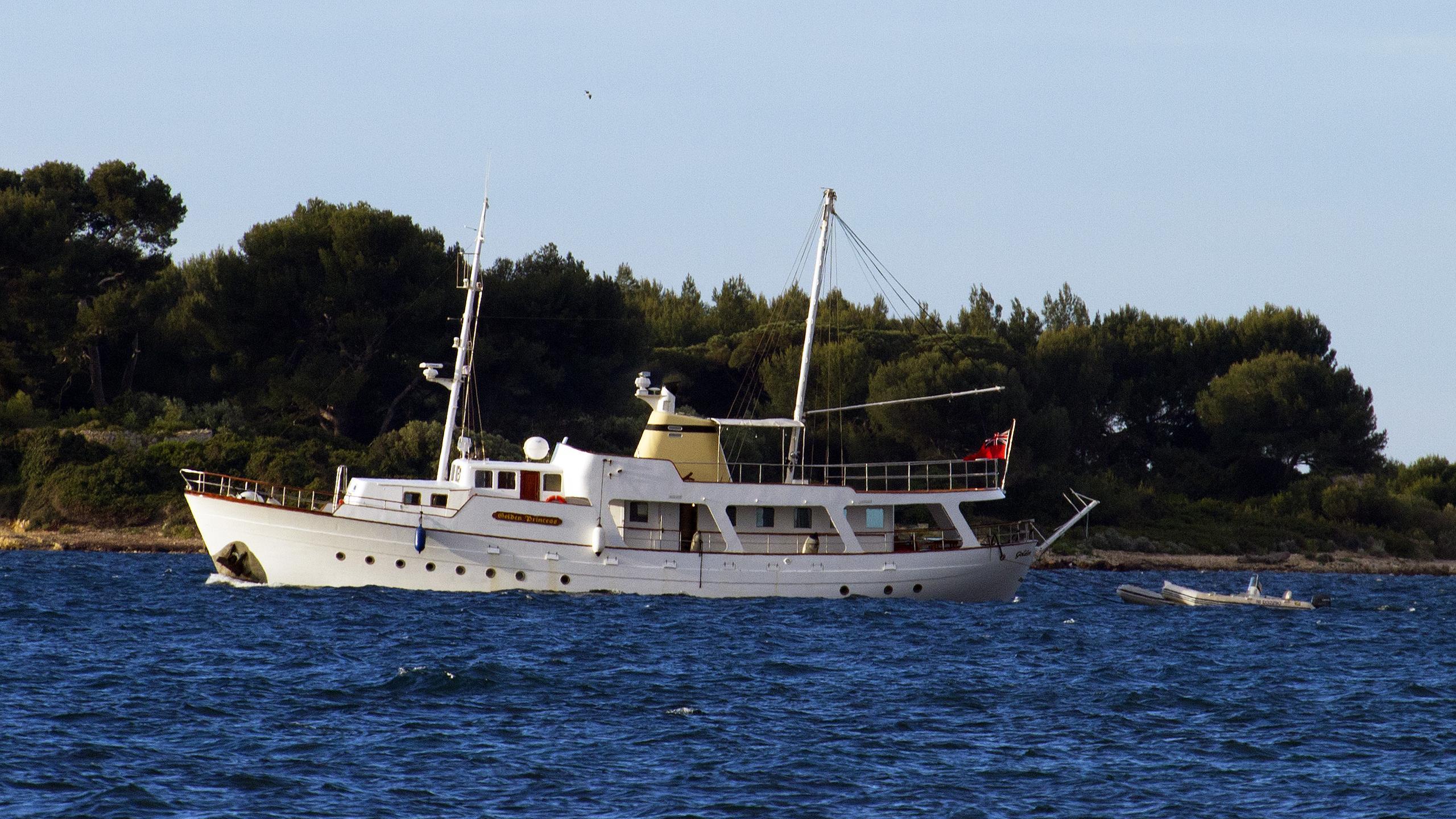 golden-princess-classic-motor-yacht-normandie-1966-26m-running-profile