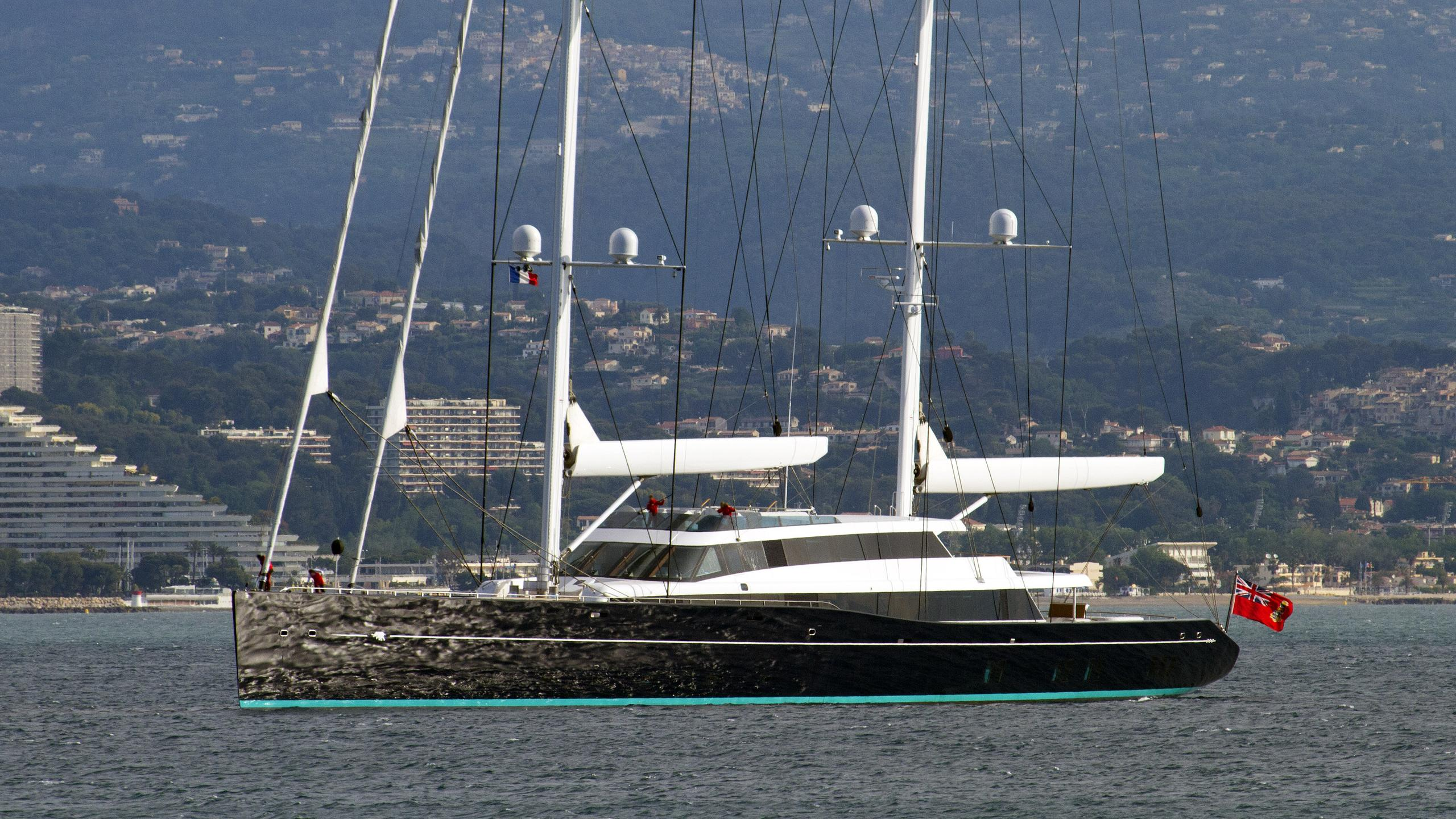 aquijo-sailing-yacht-vitters-oceanco-2015-86m-half-profile