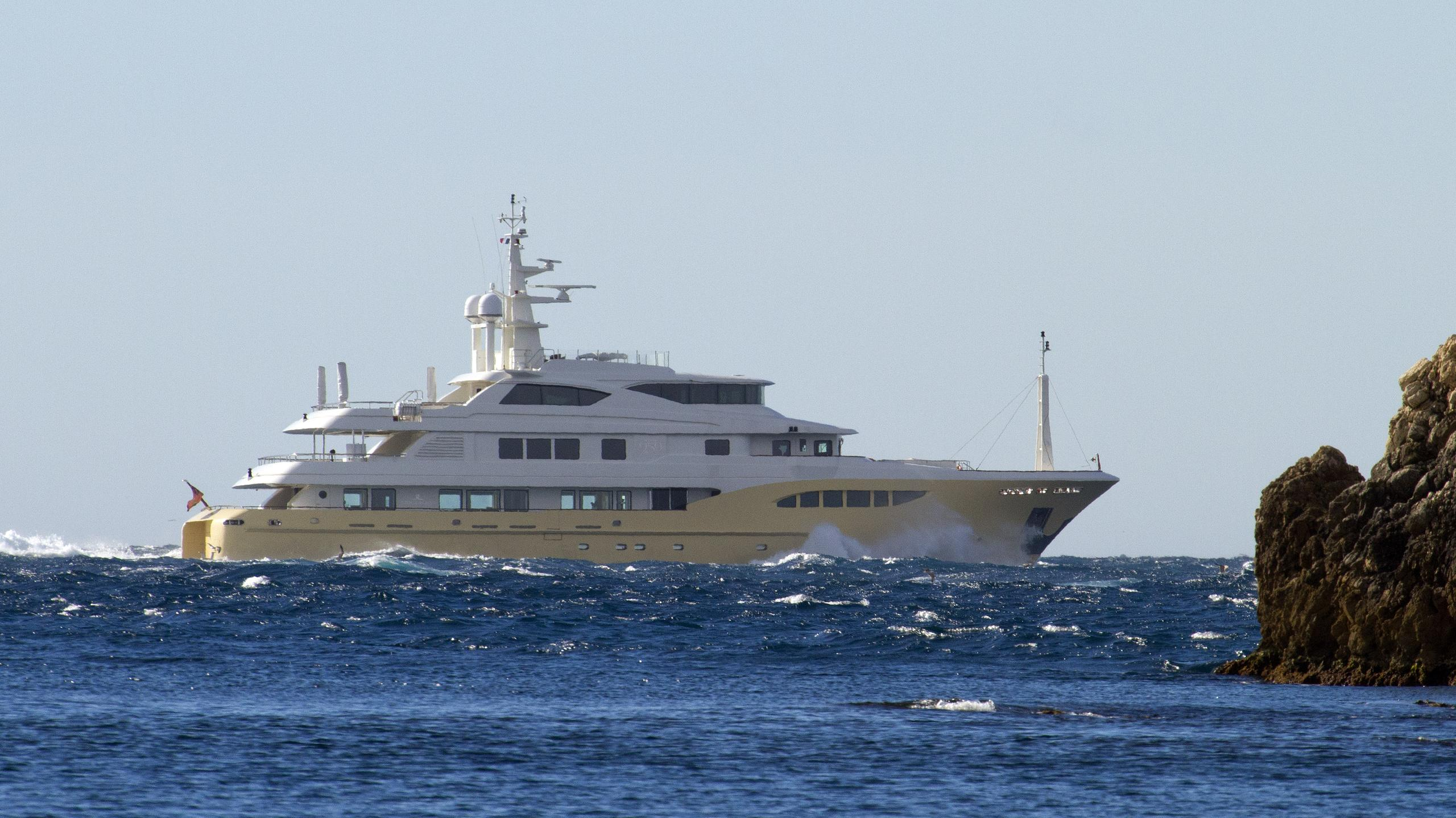 jade-959-bandido-170-explorer-yacht-2014-52m-running-profile