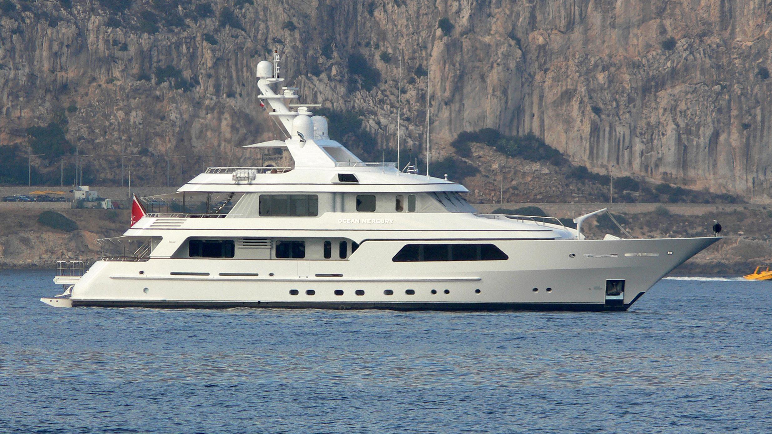 ocean-mercury-motor-yacht-feadship-SI-39-mki-2008-profile