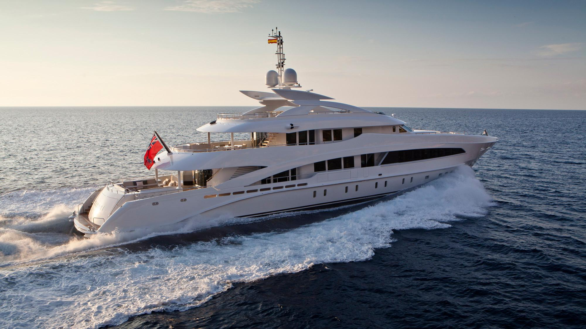 septimus-motor-yacht-heesen-2011-50m-cruising-half-profile-stern