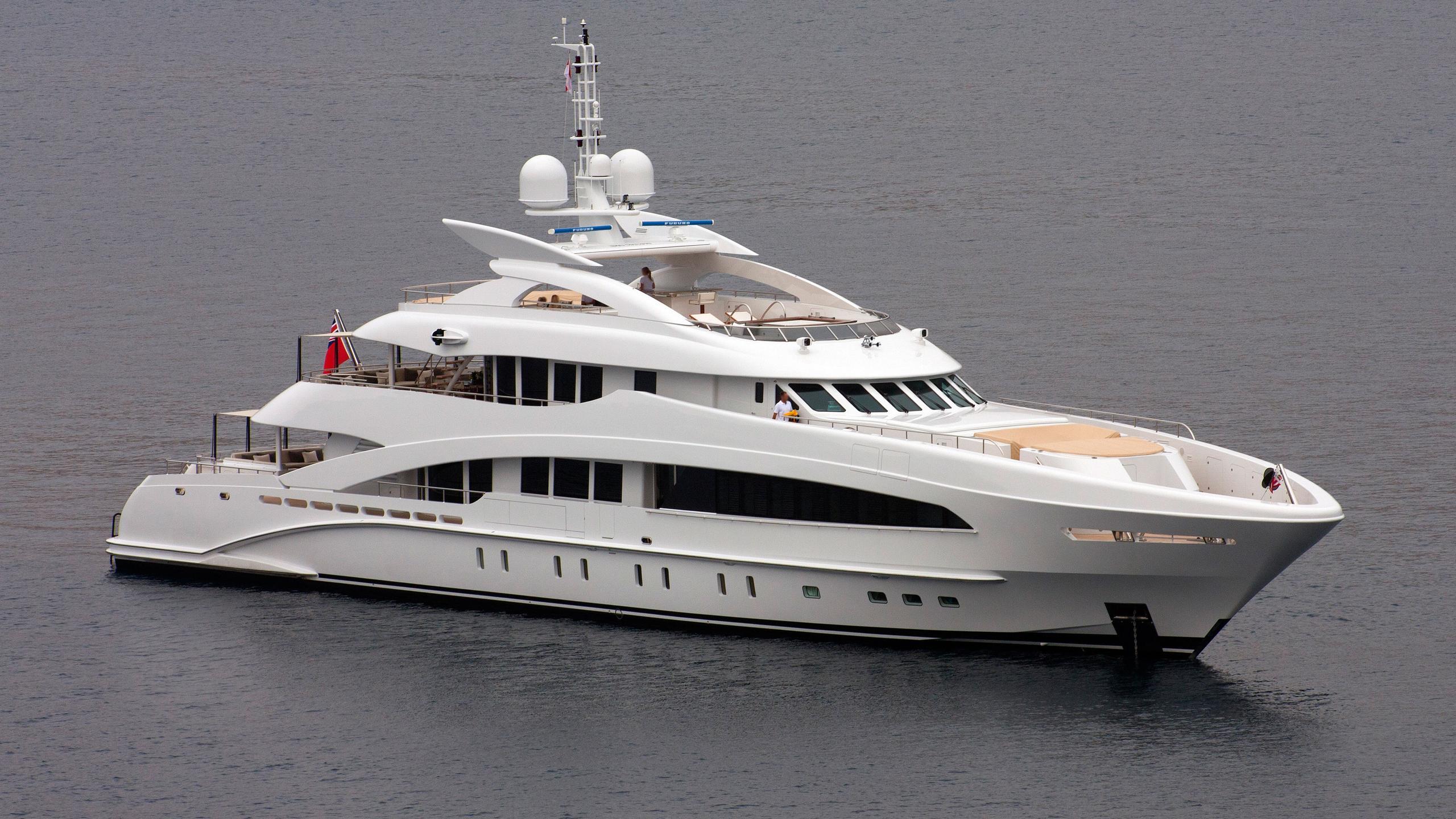 septimus-motor-yacht-heesen-2011-50m-half-profile