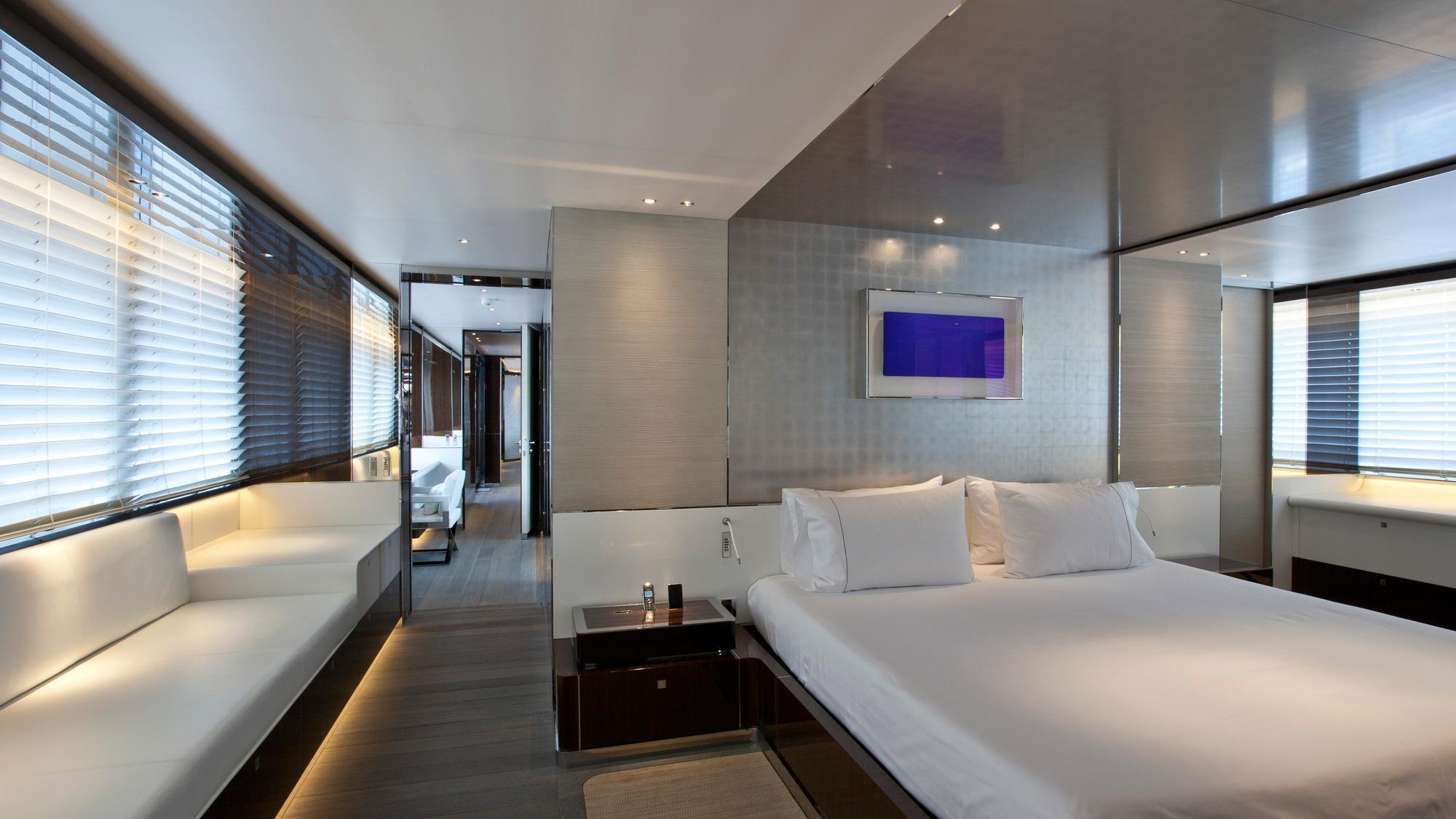 septimus-motor-yacht-heesen-2011-50m-stateroom