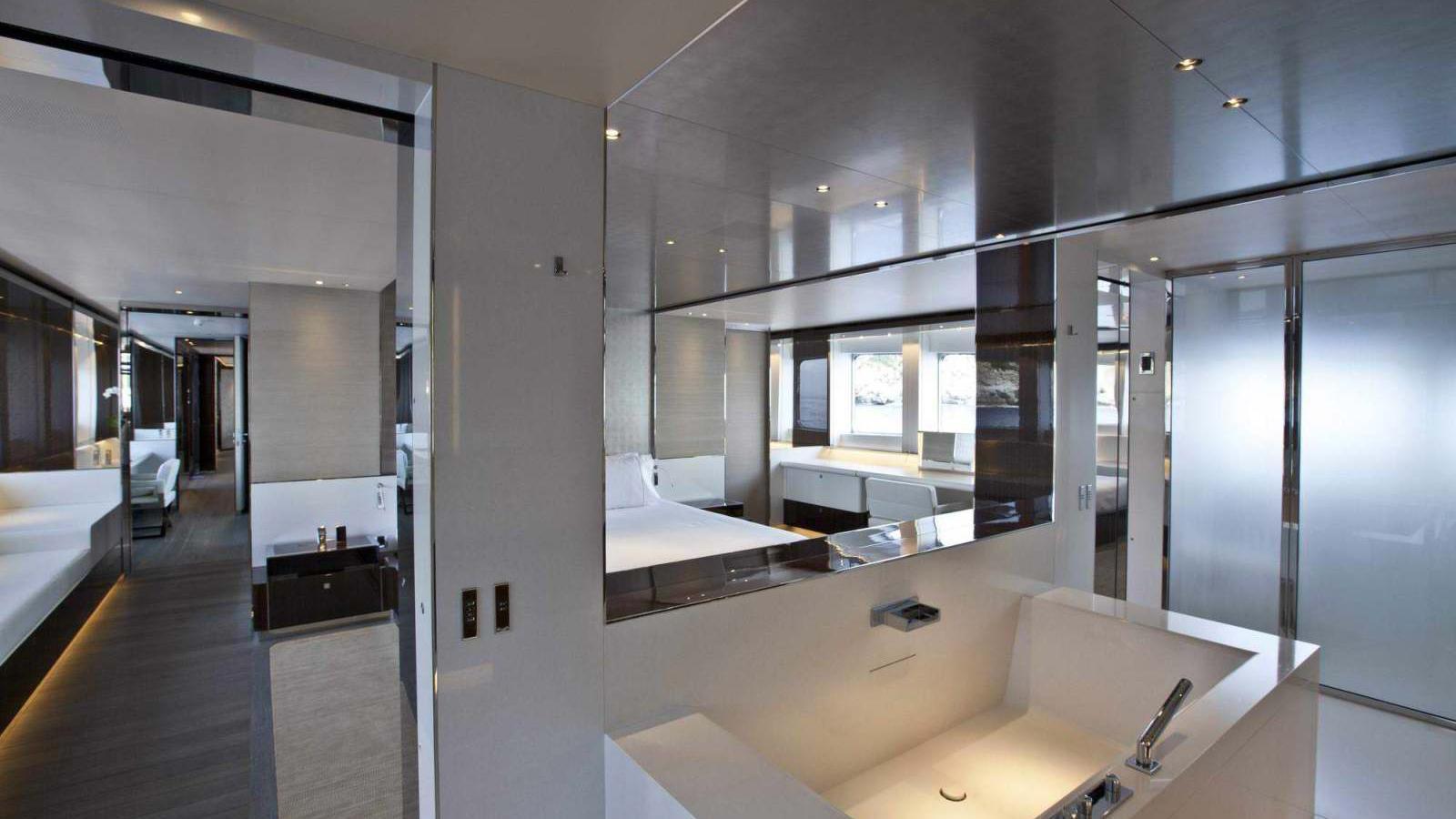 septimus-motor-yacht-heesen-2011-50m-bathroom