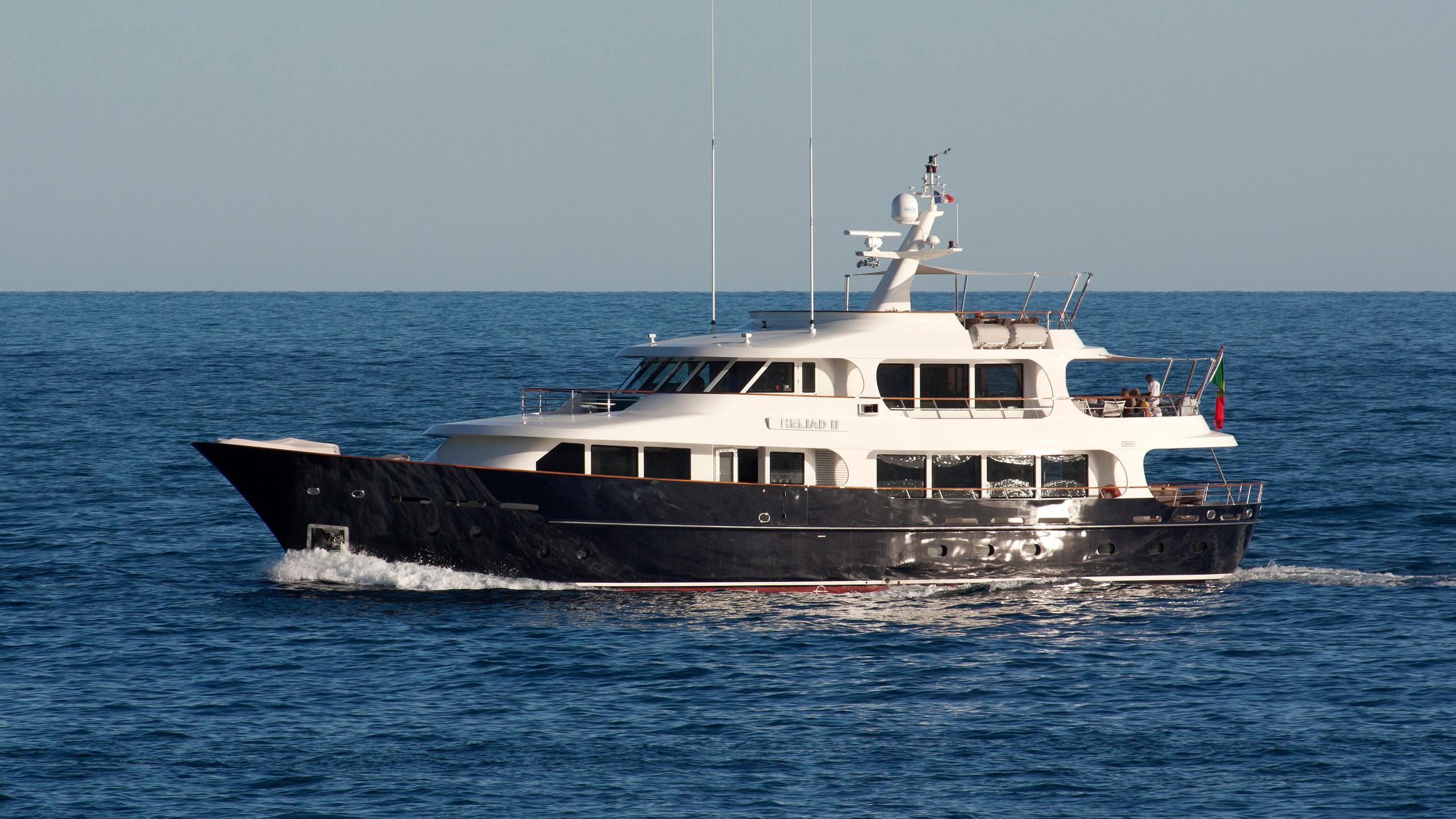 robbie-bobby-heliad-ii-motor-yacht-lynx-2013-33m-profile