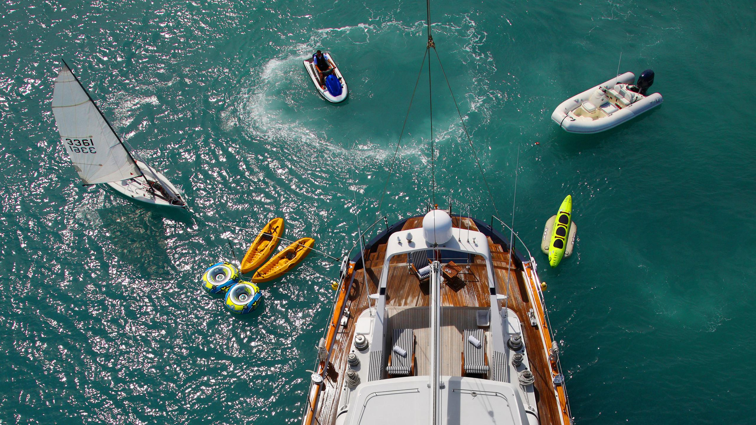 unplugged-sailing-yacht-valdettaro-112-1992-34m-aerial-aft-deck