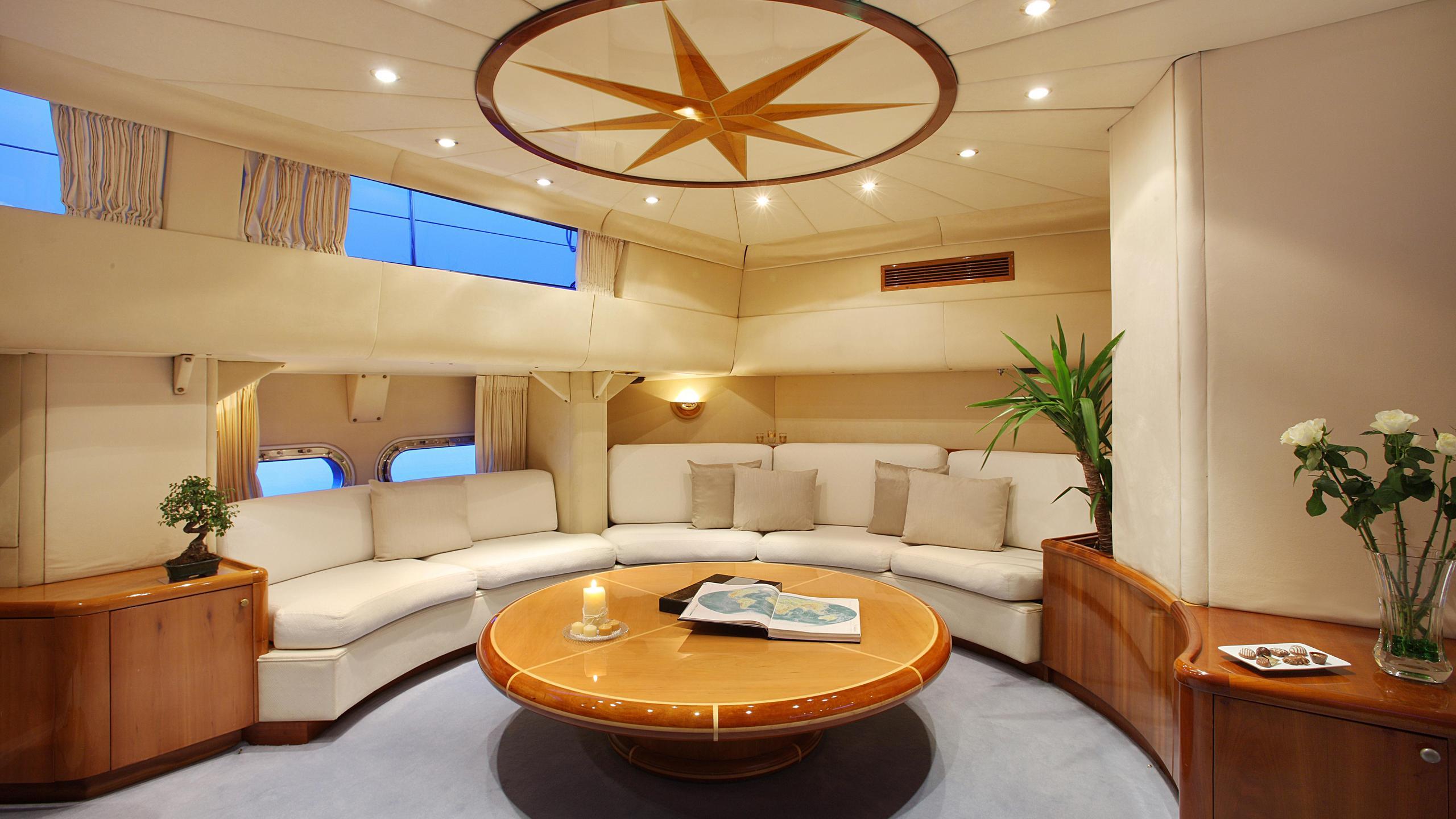 unplugged-sailing-yacht-valdettaro-112-1992-34m-saloon