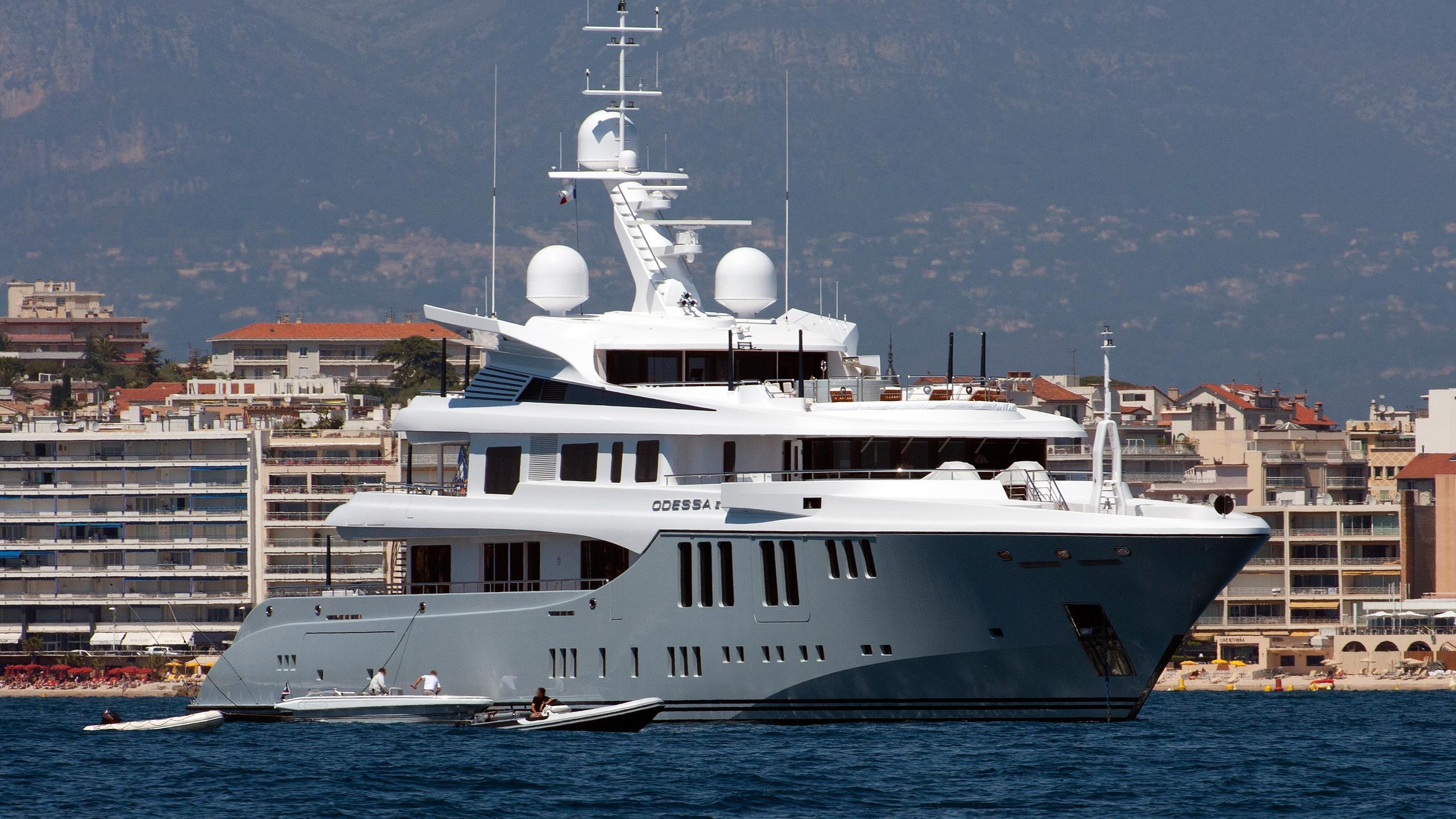 odessa-ii-motor-yacht-nobiskrug-2013-73m-profile-bow