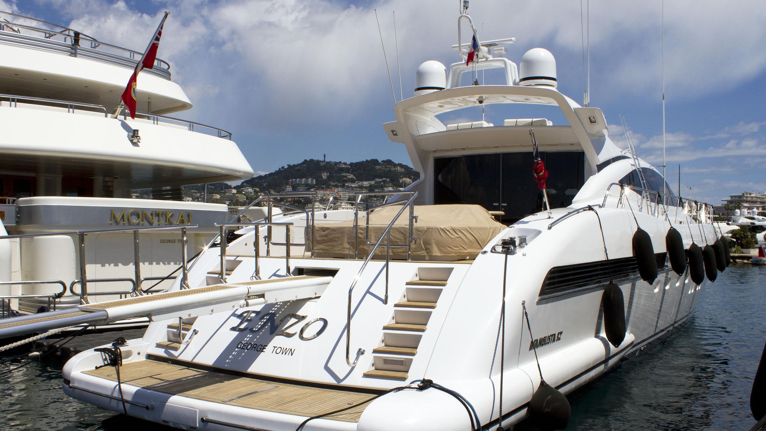 enzo-motor-yacht-mondomarine-mangusta-92-open-2005-28m-stern