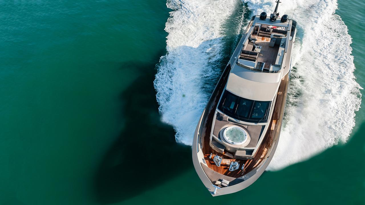 shadow zahraa tecnomar italian sea group 2013 30m aerial