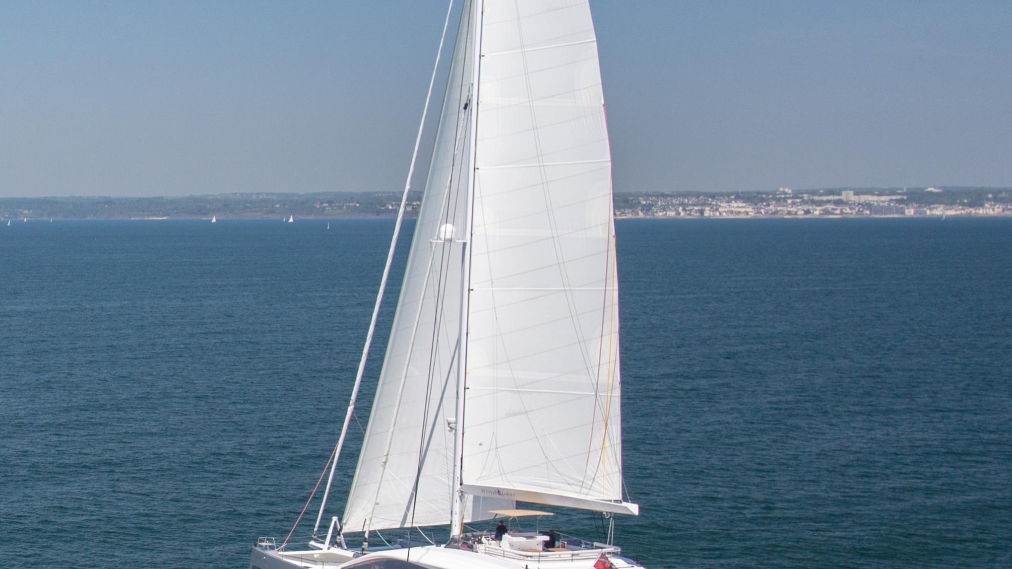Windquest-catamaran-yacht-jfa-2014-26m-cruising-half-profile