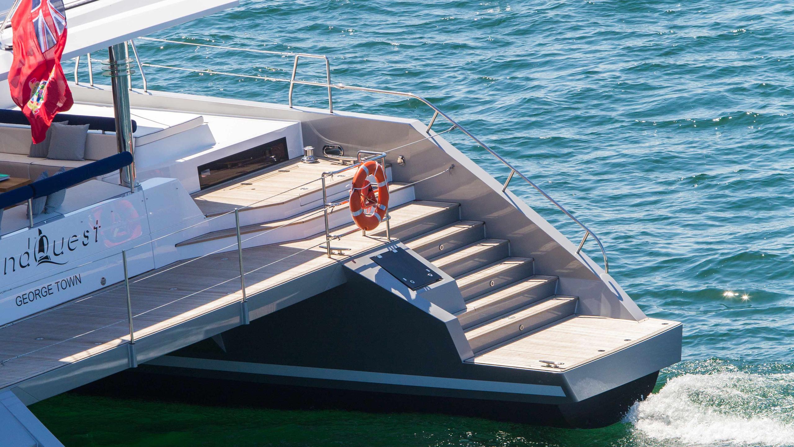 Windquest-catamaran-yacht-jfa-2014-26m-profile-stern