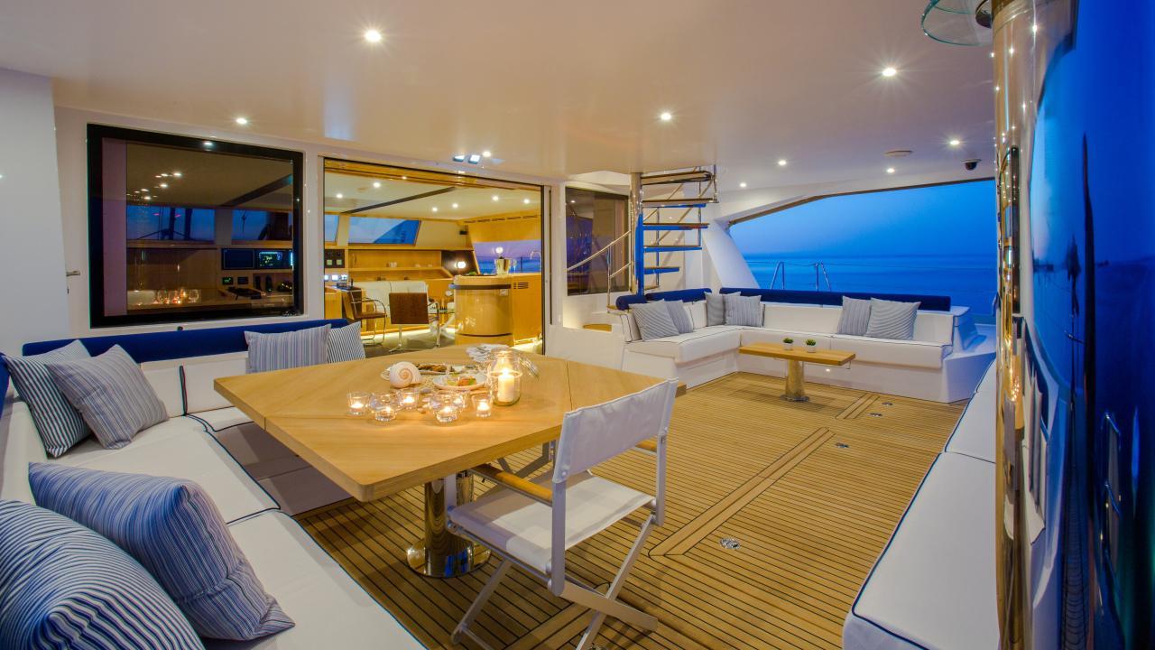 Windquest-catamaran-yacht-jfa-2014-26m-covered-seating